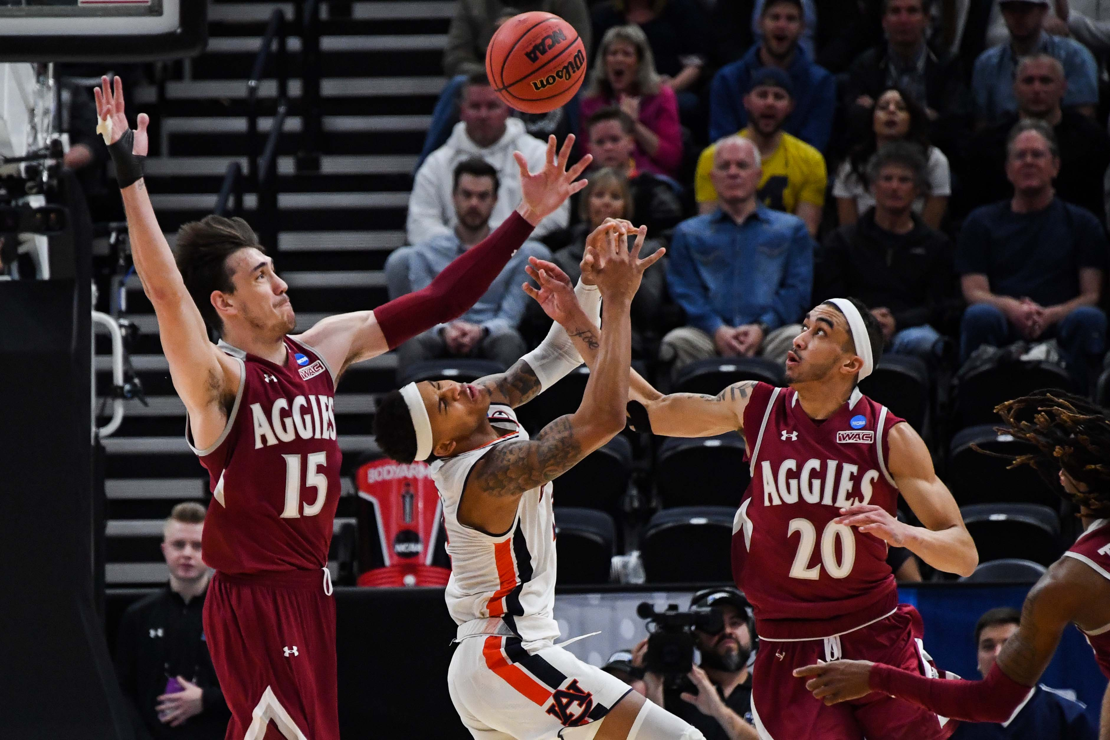 Auburn survives New Mexico State and more NCAA tournament action in March Madness Day 1