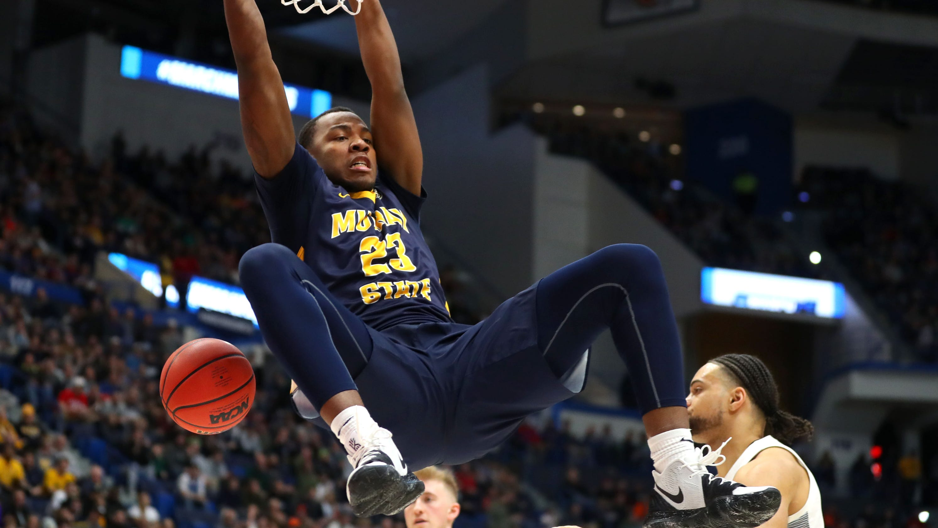 Murray State upsets Marquette and more NCAA tournament action in March Madness Day 1