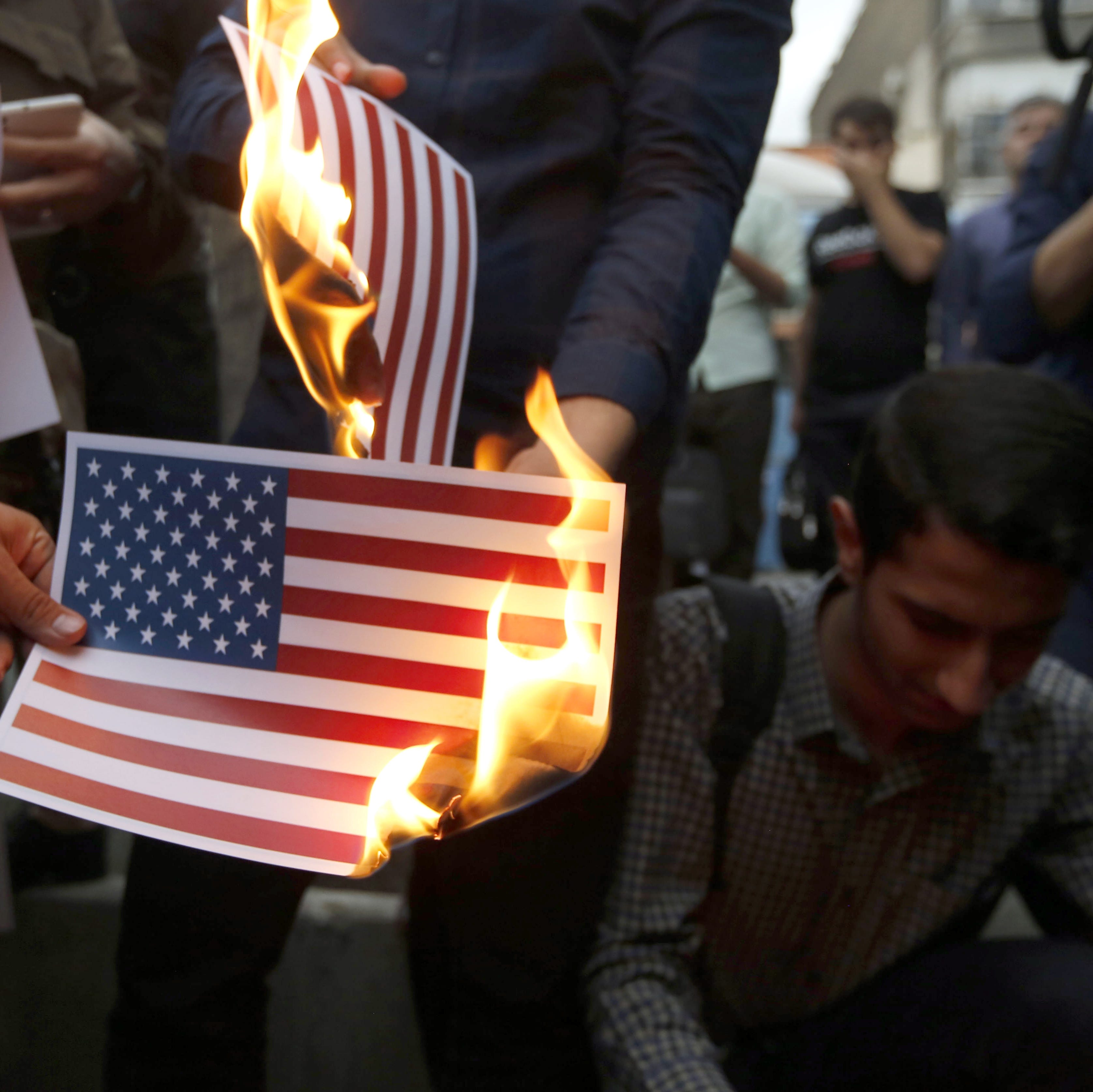 2020 presidential race: Top Democrats support Iran's hopes instead of promising sanctions