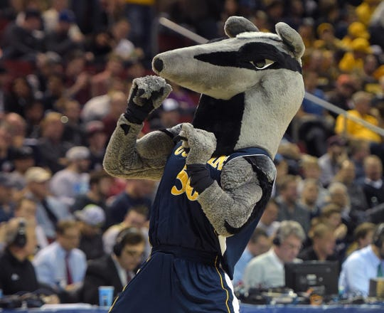 UC Irvine mascot Peter the Anteater performs in 2015, the last time the team was in the NCAA tournament.