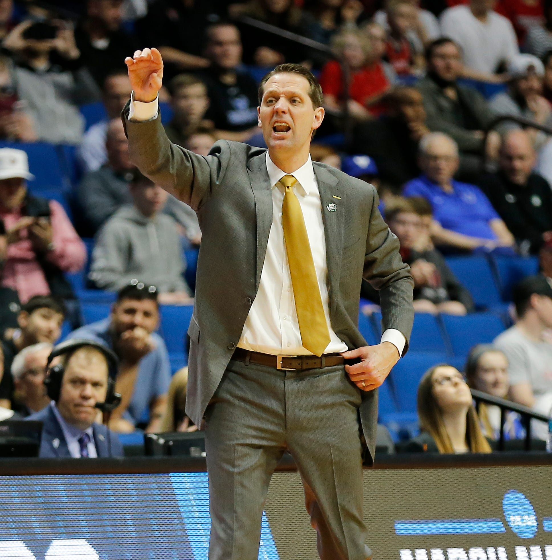 What you need to know about new University of Cincinnati basketball coach John Brannen
