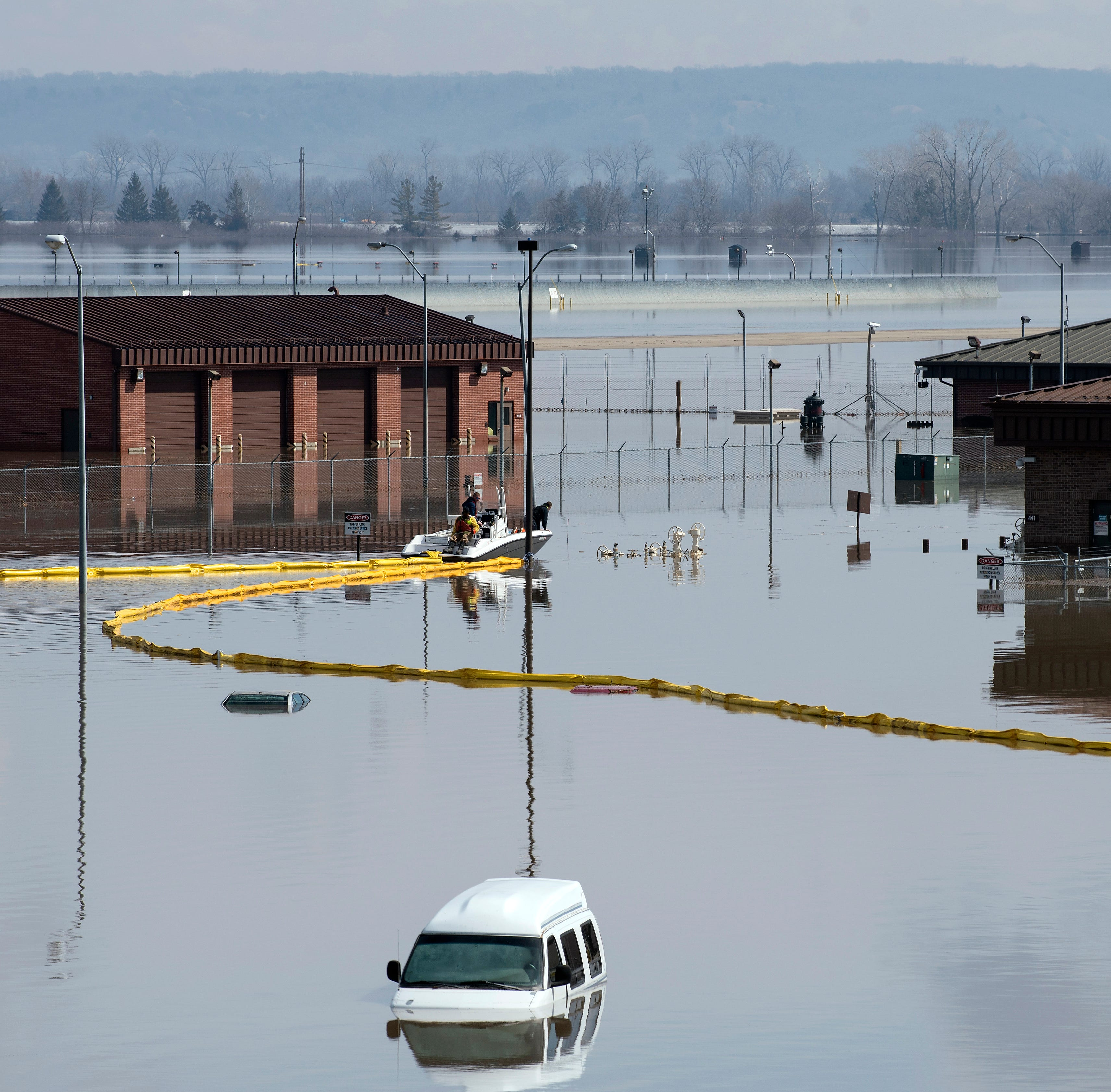Ohio farmers helping Nebraska colleagues recover from floods