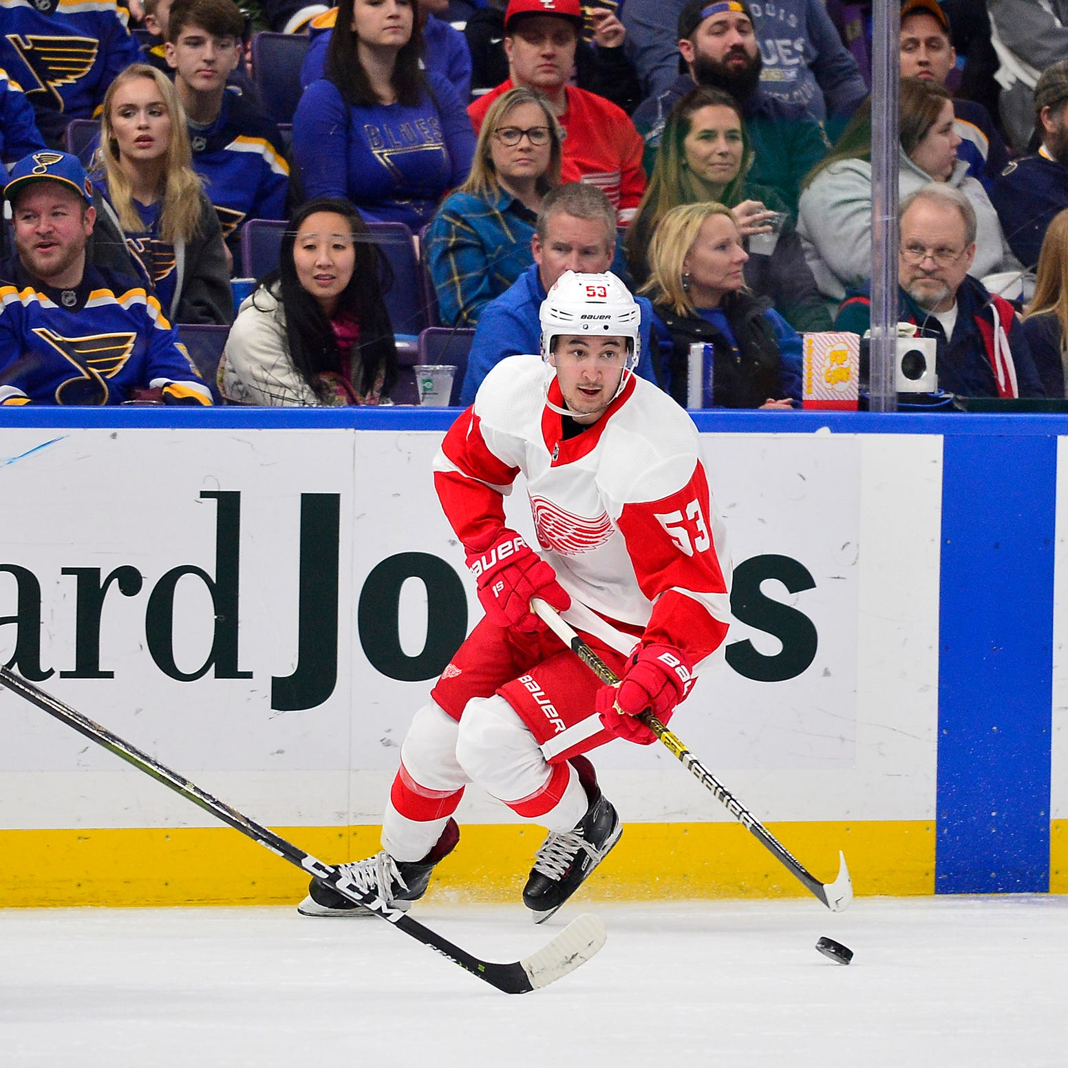 Red Wings' Taro Hirose earns high praise from Thomas Vanek. Here's why