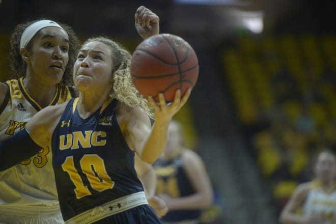 Former Northern Colorado and Fossil Ridge player Savannah Smith has signed to play pro basketball in Germany.