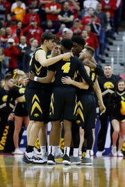 The Iowa Hawkeyes know the recent history and are determined to change it. The team seeks its first Sweet 16 berth in 20 years when it faces fifth-ranked Tennessee on Sunday in Columbus, Ohio.