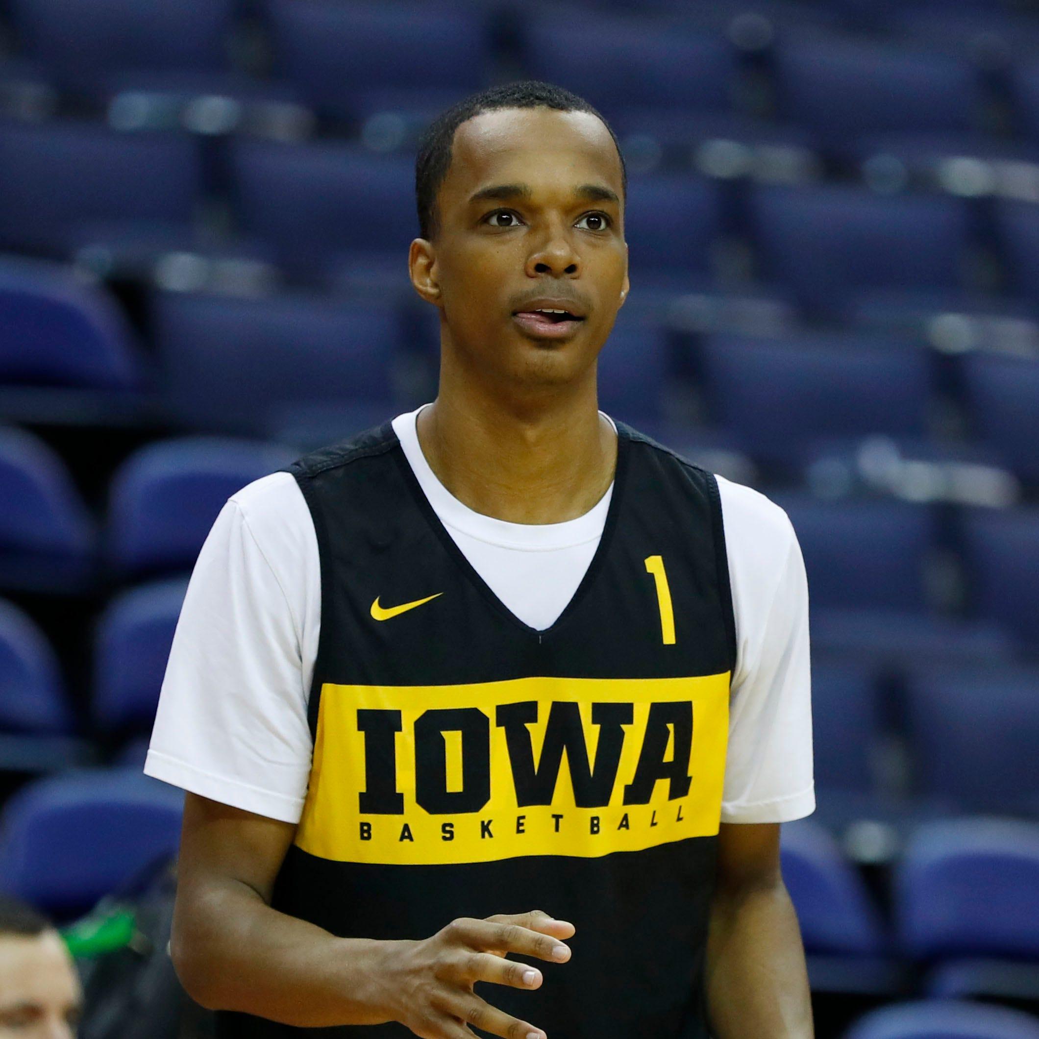Junior guard Maishe Dailey will transfer from Iowa basketball team