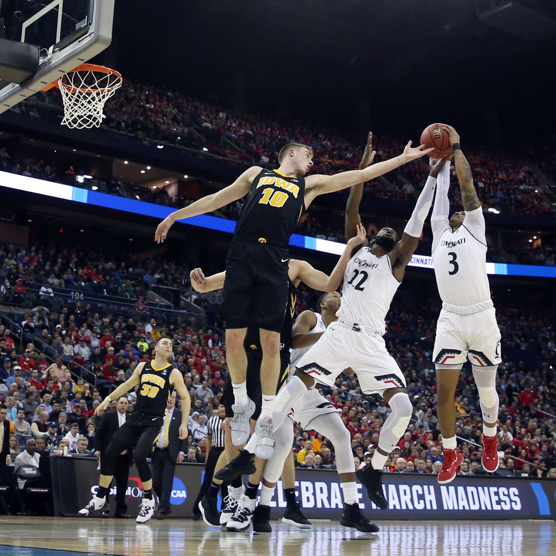 NCAA Tournament: Iowa Hawkeyes prove their mettle in second half to conquer Cincinnati on biggest stage