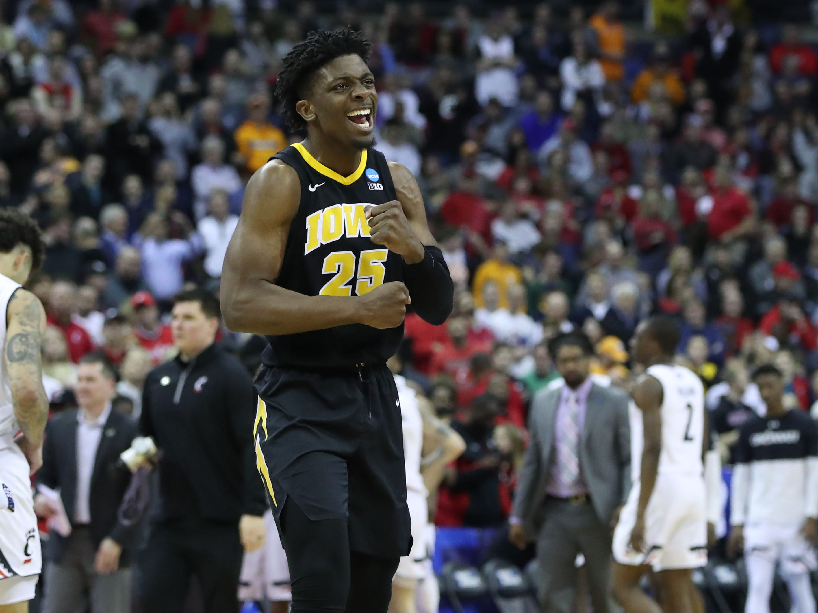 Iowa Hawkeyes forward Tyler Cook (25) reacts to defeating Cincinnati Bearcats  in the first round of the 2019 NCAA Tournament at Nationwide Arena on March 22, 2019.