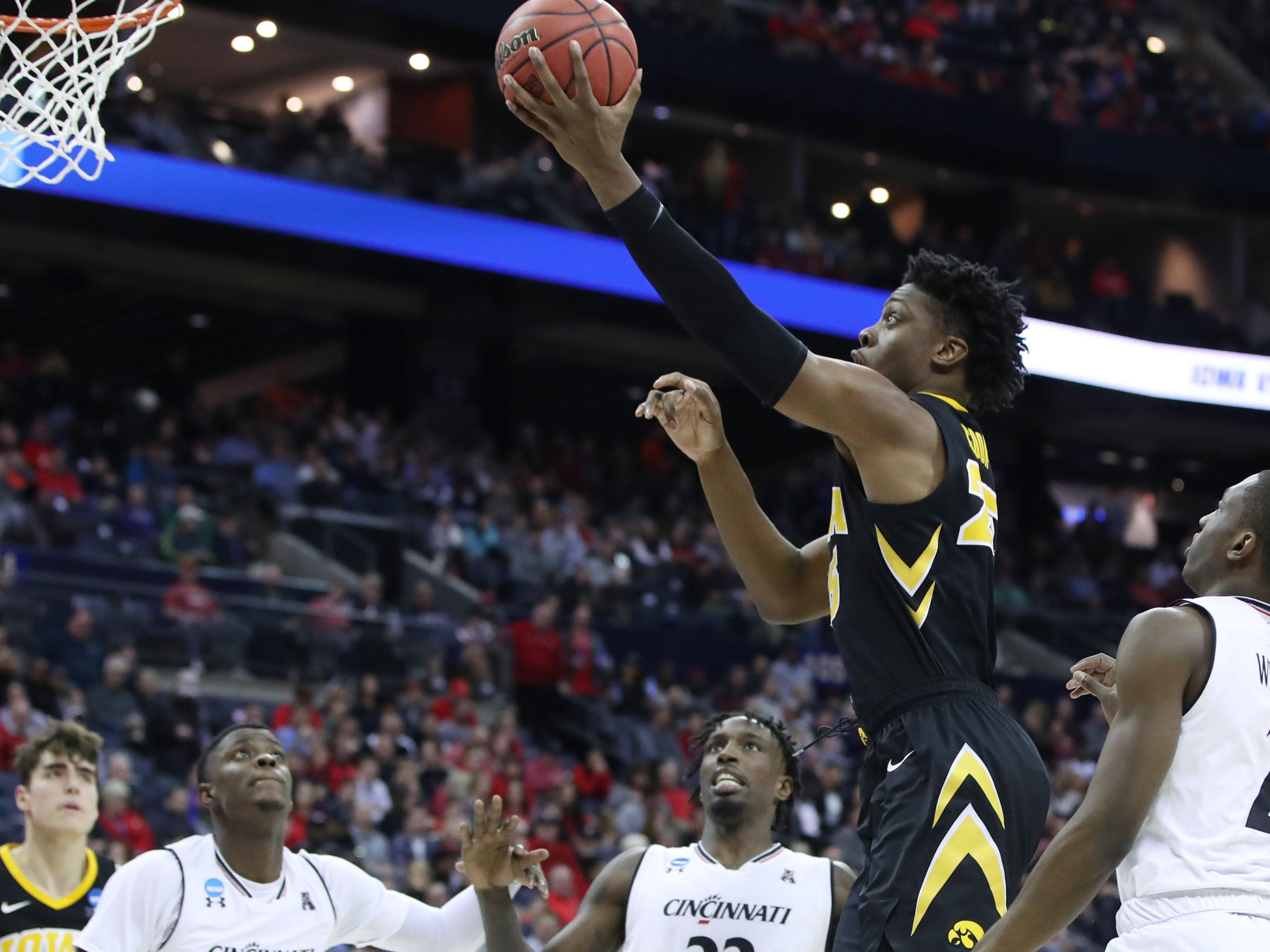 Iowa Hawkeyes forward Tyler Cook (25) goes to the basket in the second half against the Cincinnati Bearcats in the first round of the 2019 NCAA Tournament at Nationwide Arena on March 22, 2019.