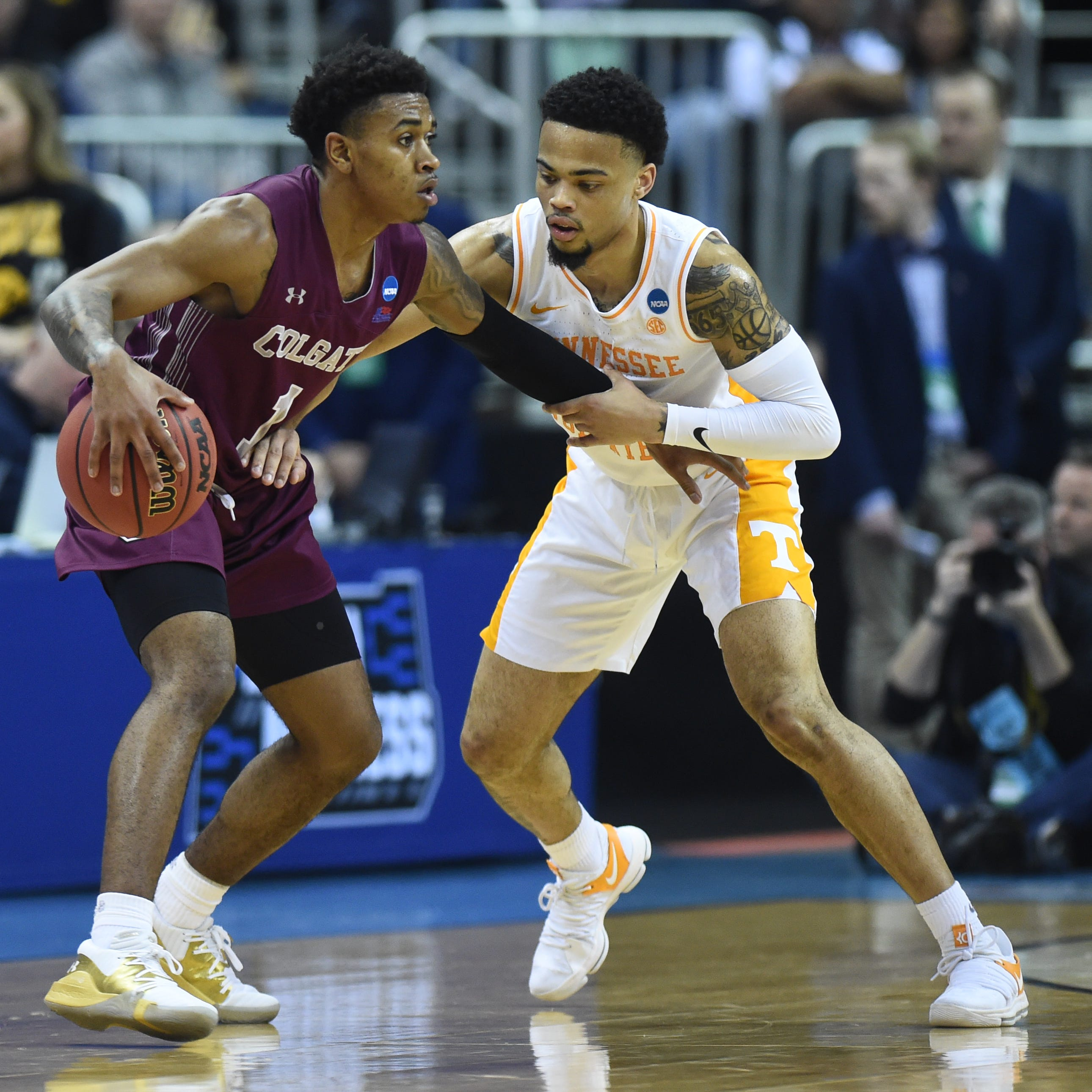 NCAA Tournament: Colgate fans didn't sound smart chanting 'overrated' at Tennessee