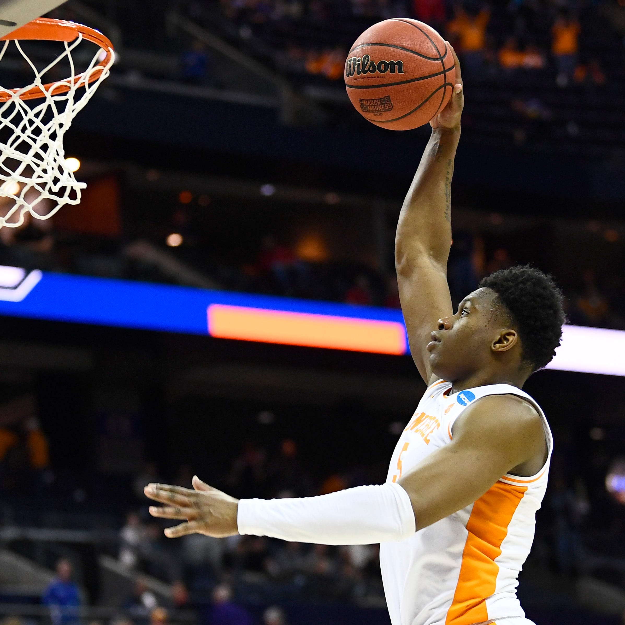 Tennessee Vols vs. Iowa in NCAA Tournament: TV, radio, streaming, odds