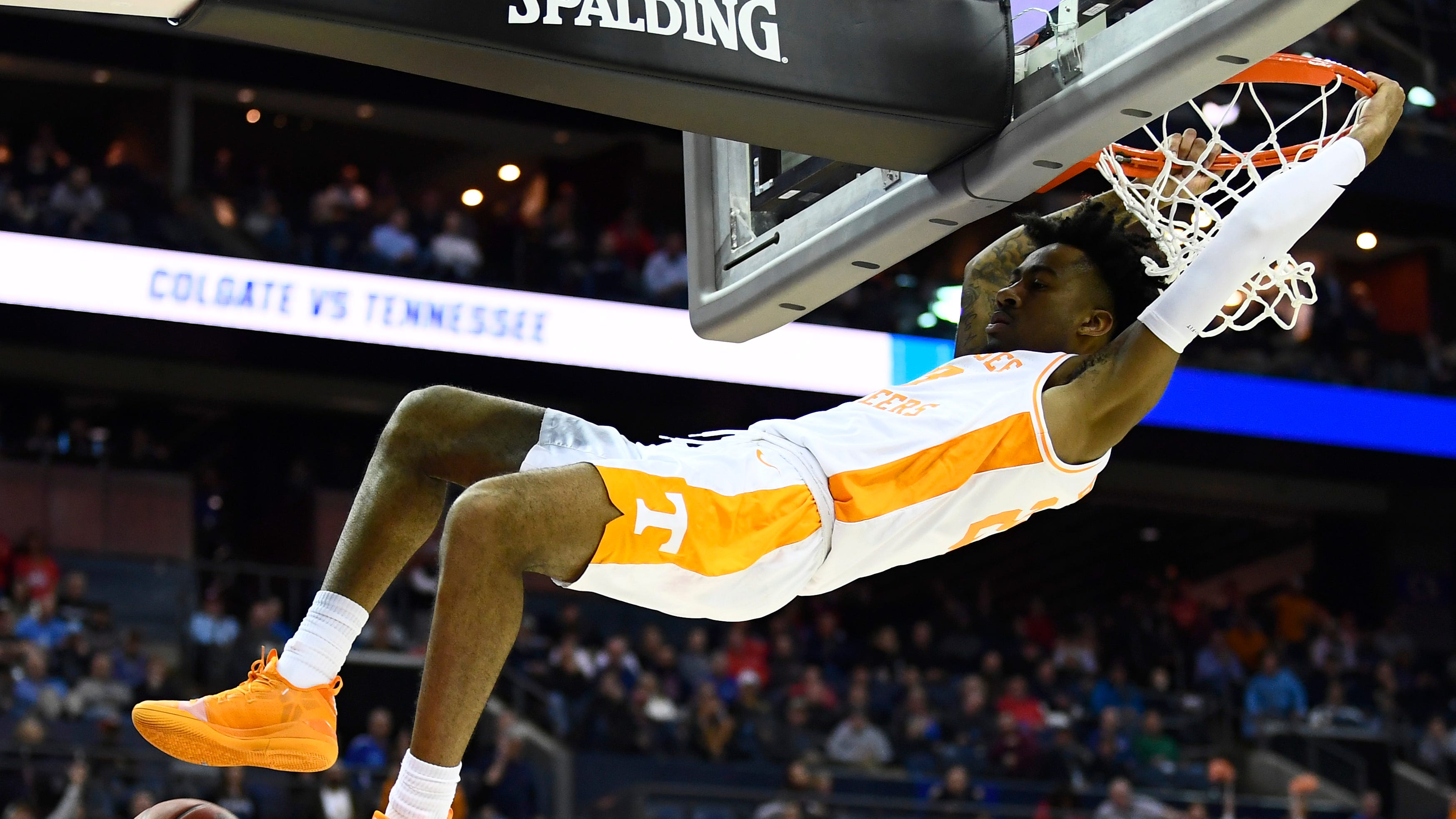 Tennessee guard Jordan Bowden (23) dunks during the game against the Colgate Raiders in the first round of the NCAA Tournament at Nationwide Arena in Columbus, Ohio, on Friday, March 22, 2019.