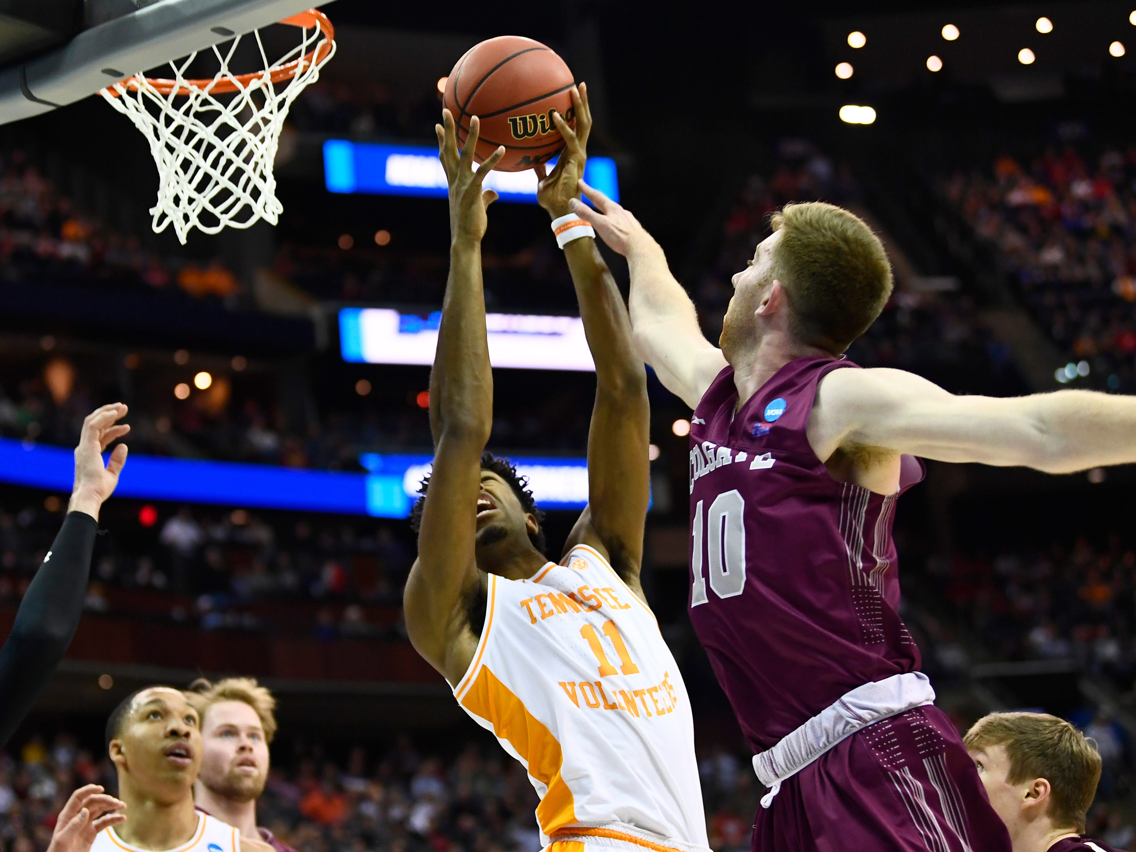 Tennessee Vols need Kyle Alexander to be big in Sweet 16 chase after he missed NCAA upset last year