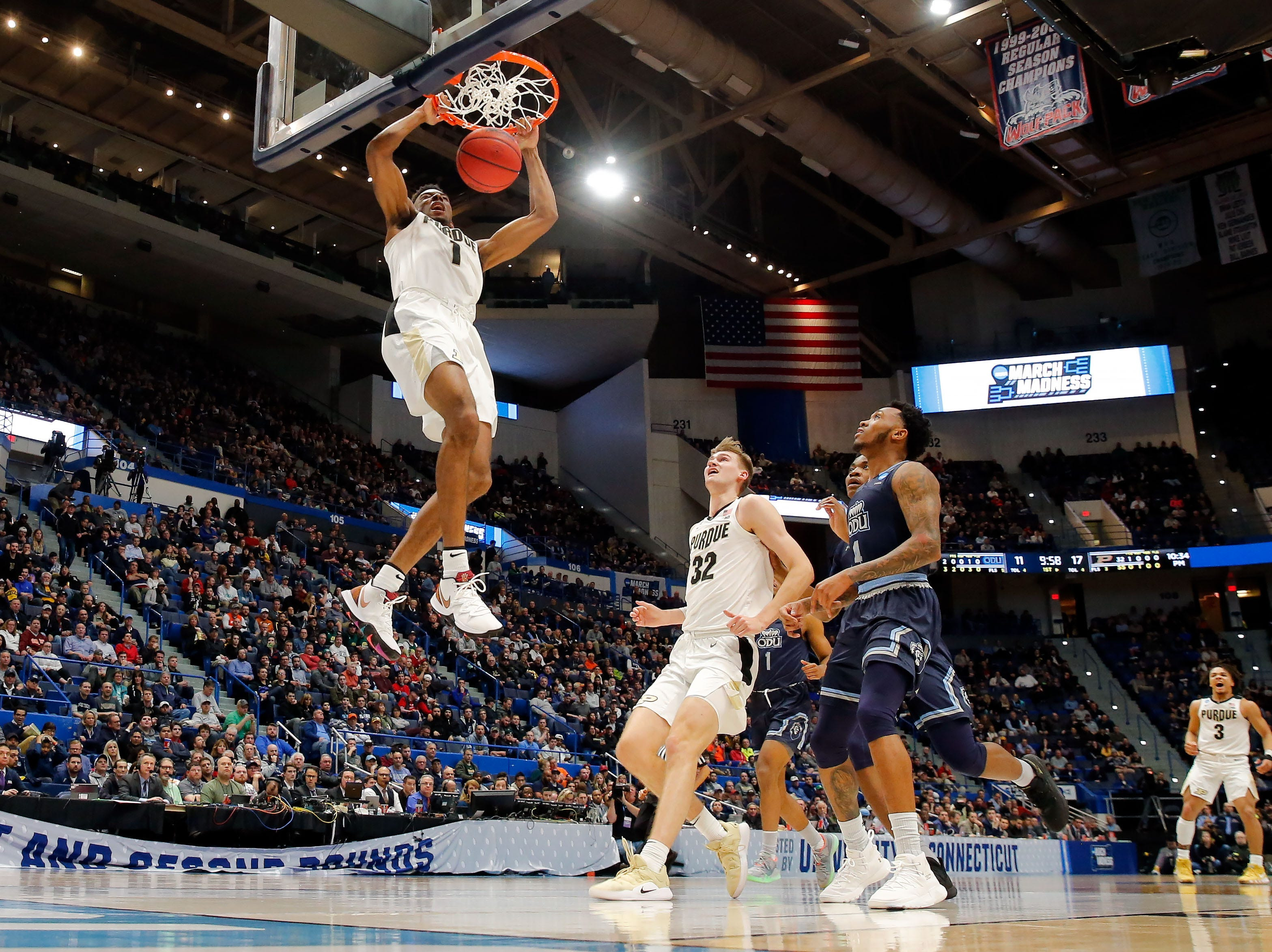 Mar 21, 2019; Hartford, CT, USA; Purdue Boilermakers forward Aaron Wheeler (1) dunks and scores against the Old Dominion Monarchs during the first half of a game in the first round of the 2019 NCAA Tournament at XL Center. Mandatory Credit: David Butler II-USA TODAY Sports