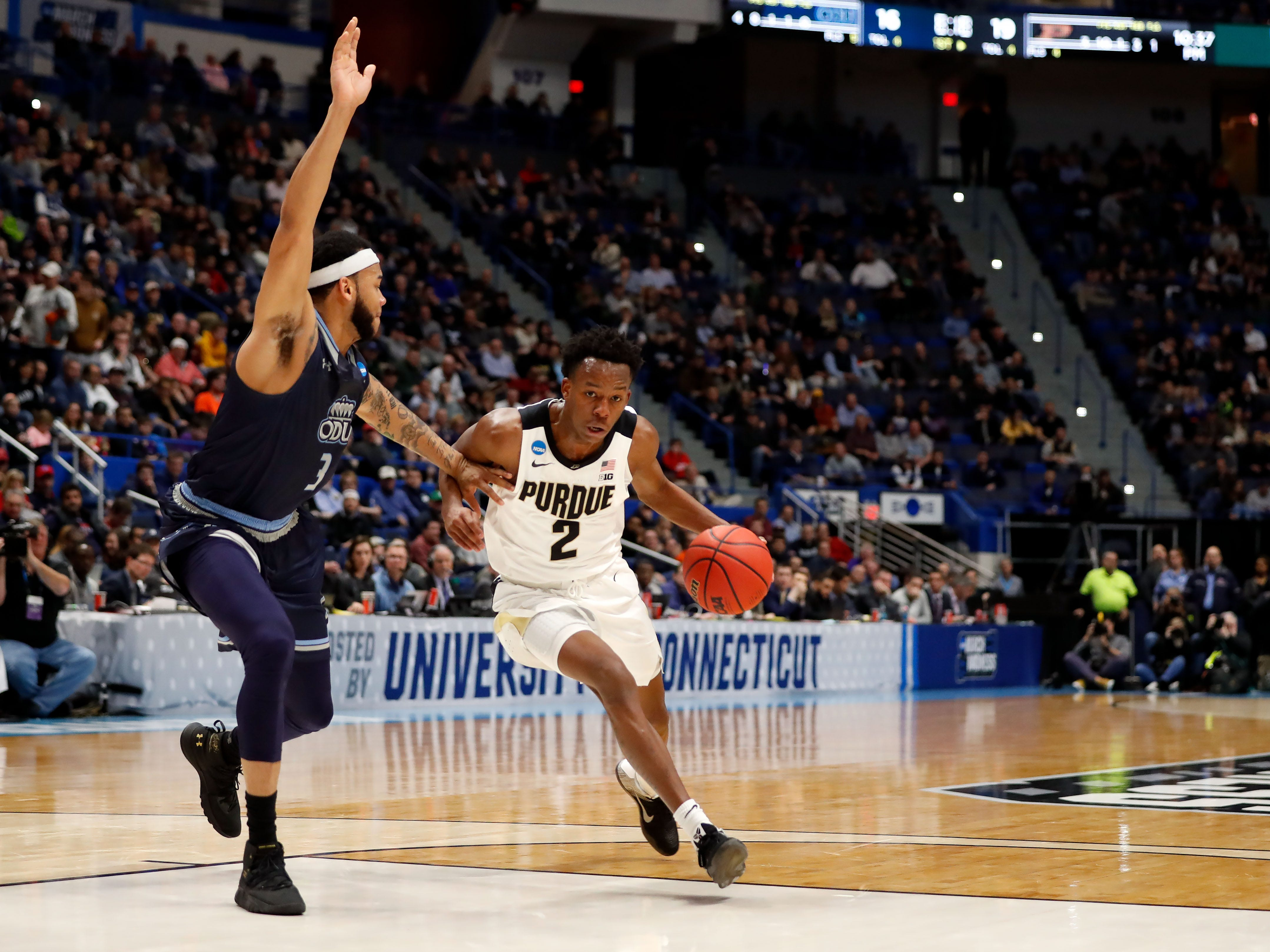 Mar 21, 2019; Hartford, CT, USA; Purdue Boilermakers guard Eric Hunter Jr. (2) drives to the basket against Old Dominion Monarchs guard B.J. Stith (3) during the first half of a game in the first round of the 2019 NCAA Tournament at XL Center. Mandatory Credit: David Butler II-USA TODAY Sports