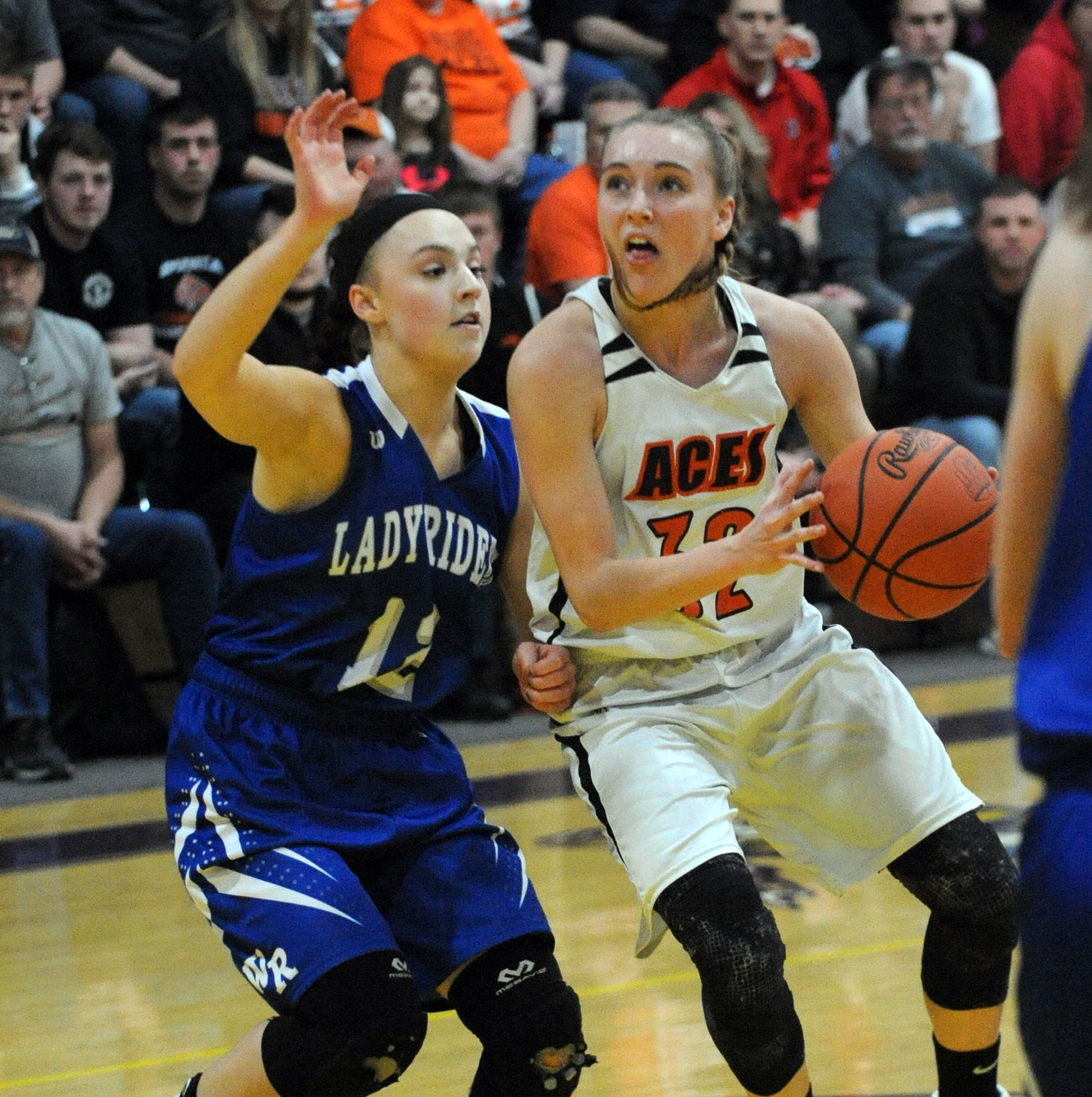 Amanda-Clearcreek's Alyssa Evans is the Eagle-Gazette Girls Basketball Player of the Year