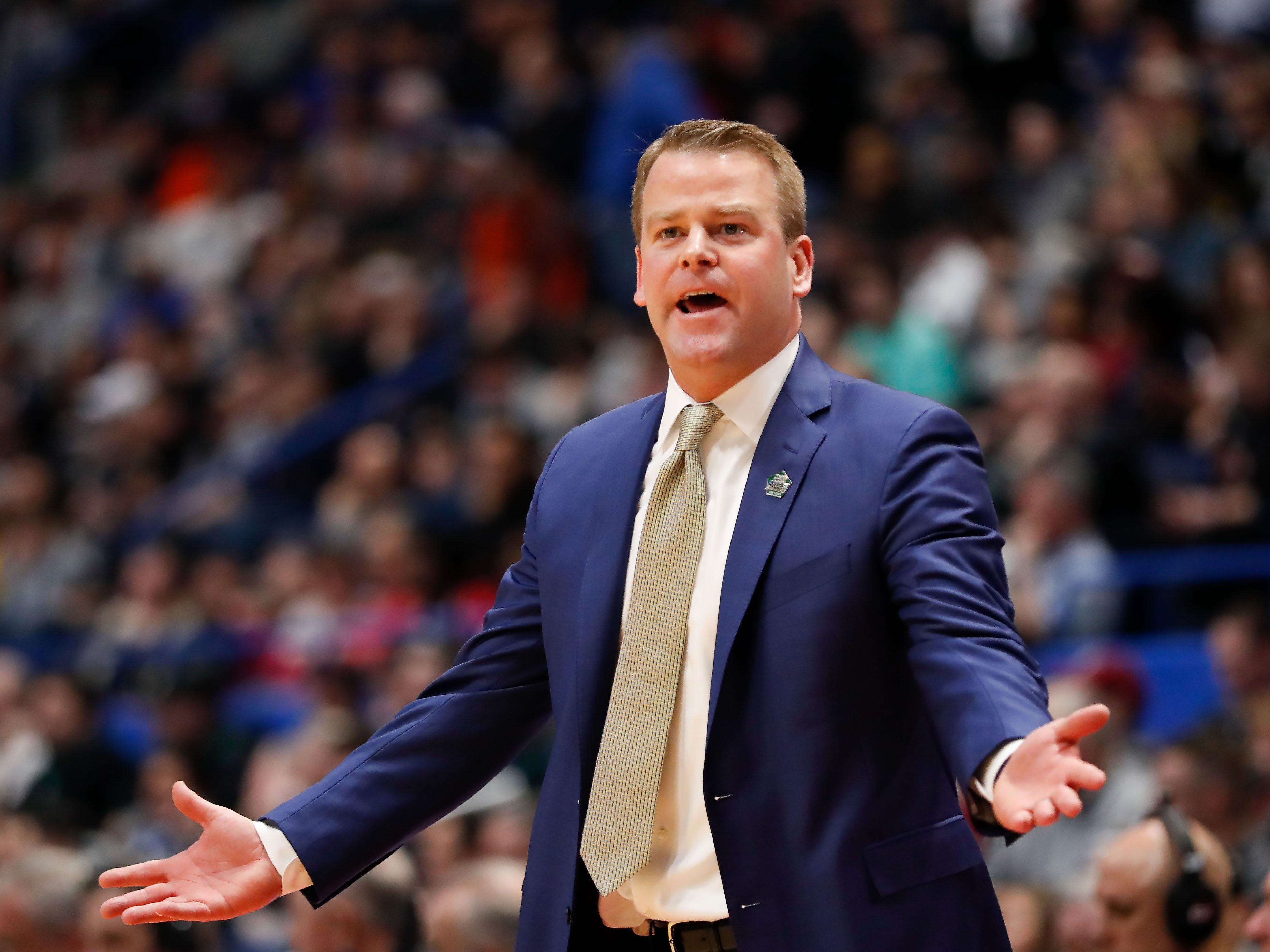 Marquette head coach Steve Wojciechowski reacts to a foul called on his team during the first half against Murray State.