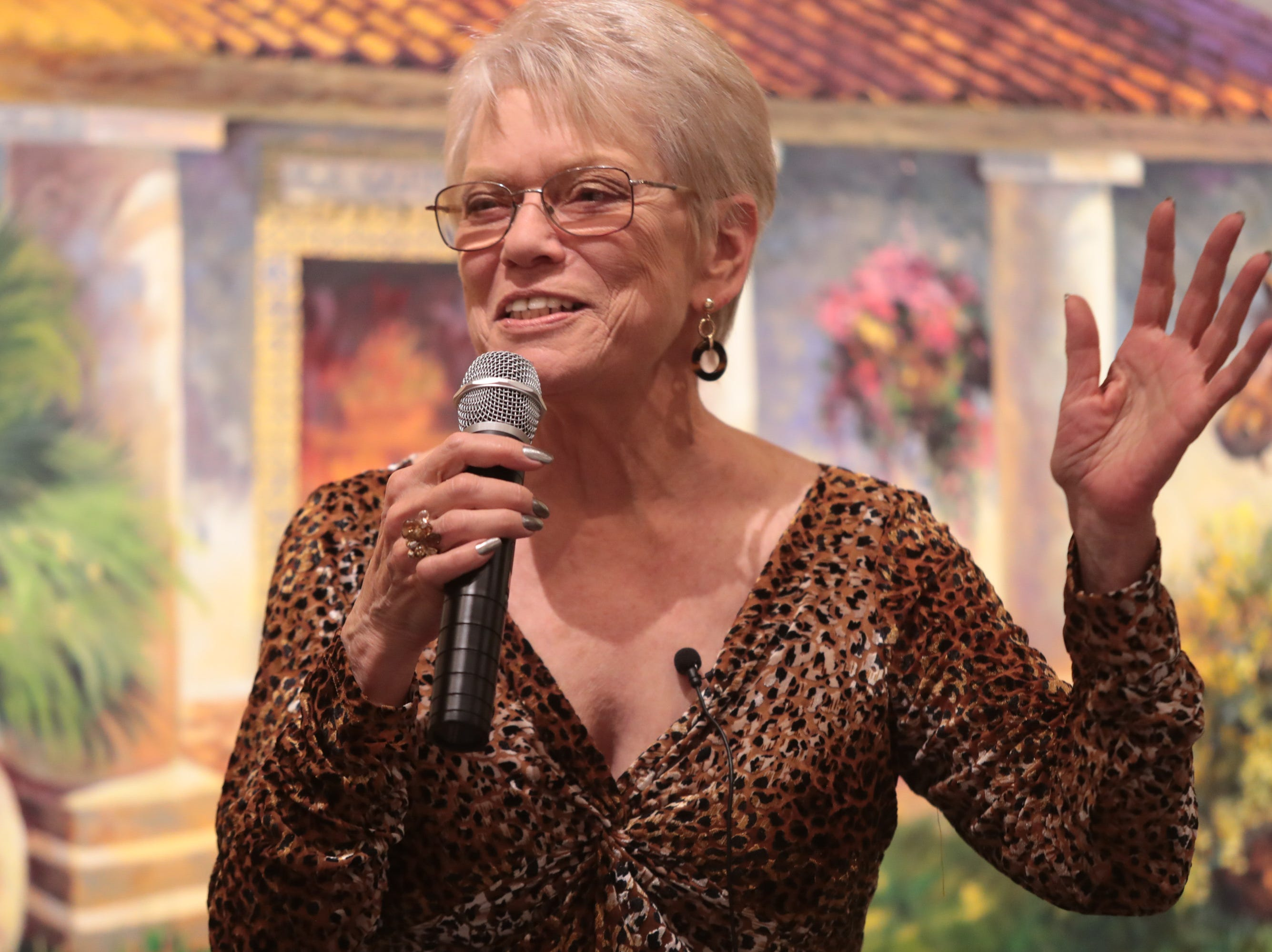 """Anita Rufus shares an emotional story about family and """"searching"""" at the Coachella Valley Storytellers Project, La Quinta, Calif., March 21, 2019."""