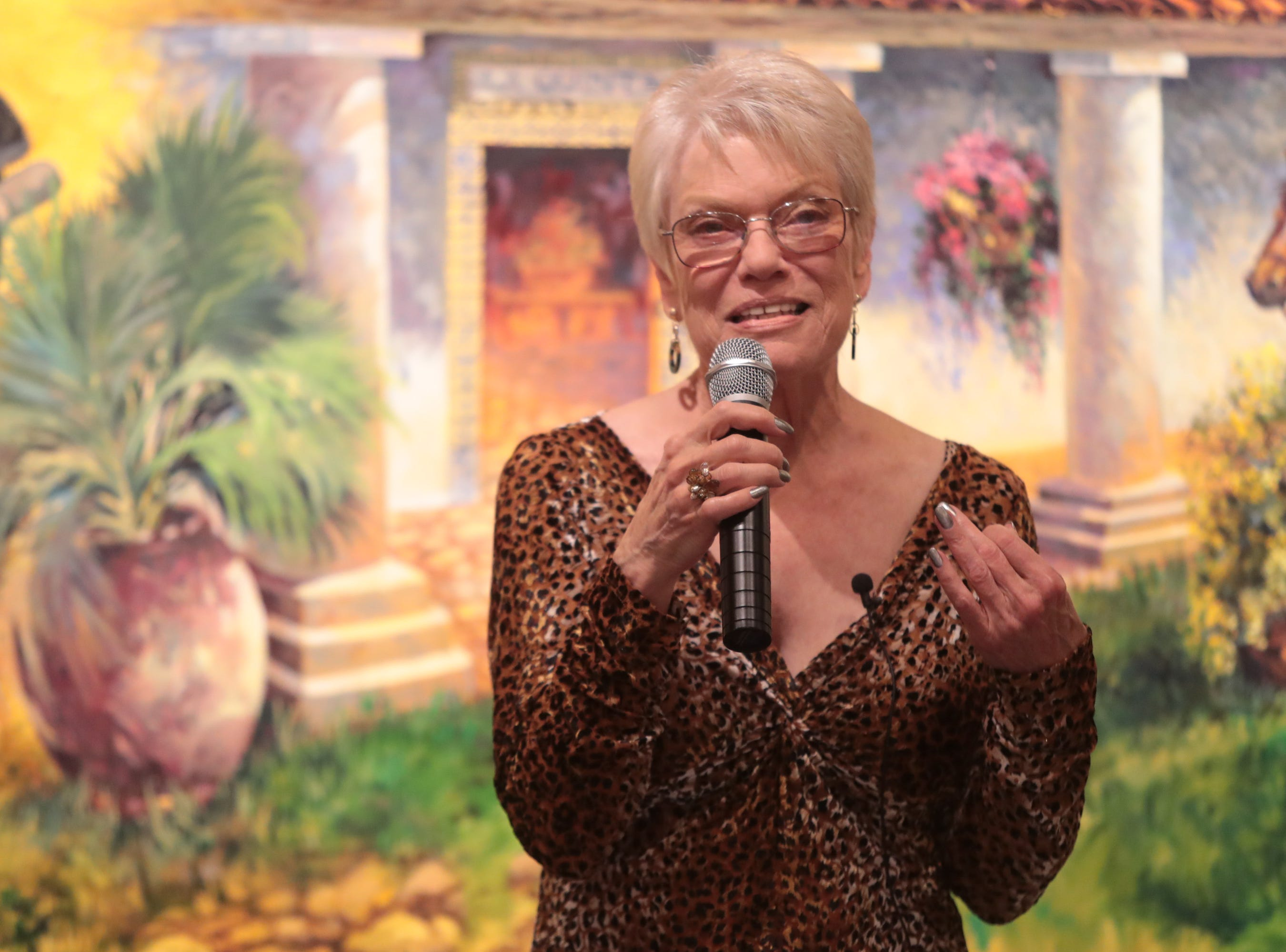 """Anita Rufus tells a a story about """"searching"""" at the Coachella Valley Storytellers Project, La Quinta, Calif., March 21, 2019."""