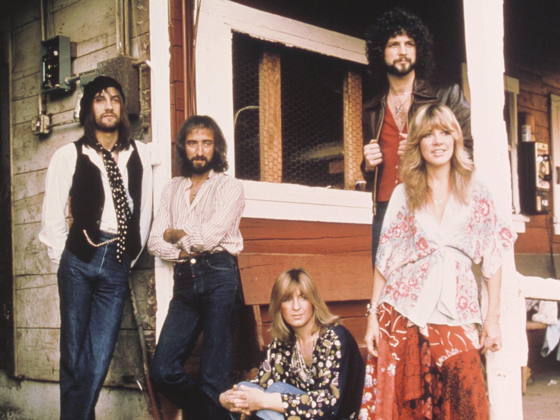 Fleetwood Mac, early 1970s.  L-R: Mick Fleetwood, John McVie, Christine McVie, Lindsay Buckingham, Stevie Nicks.
