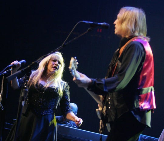 Stevie Nicks performs with Tom Petty and the Heartbreakers at Glendale Arena Oct. 4, 2006.