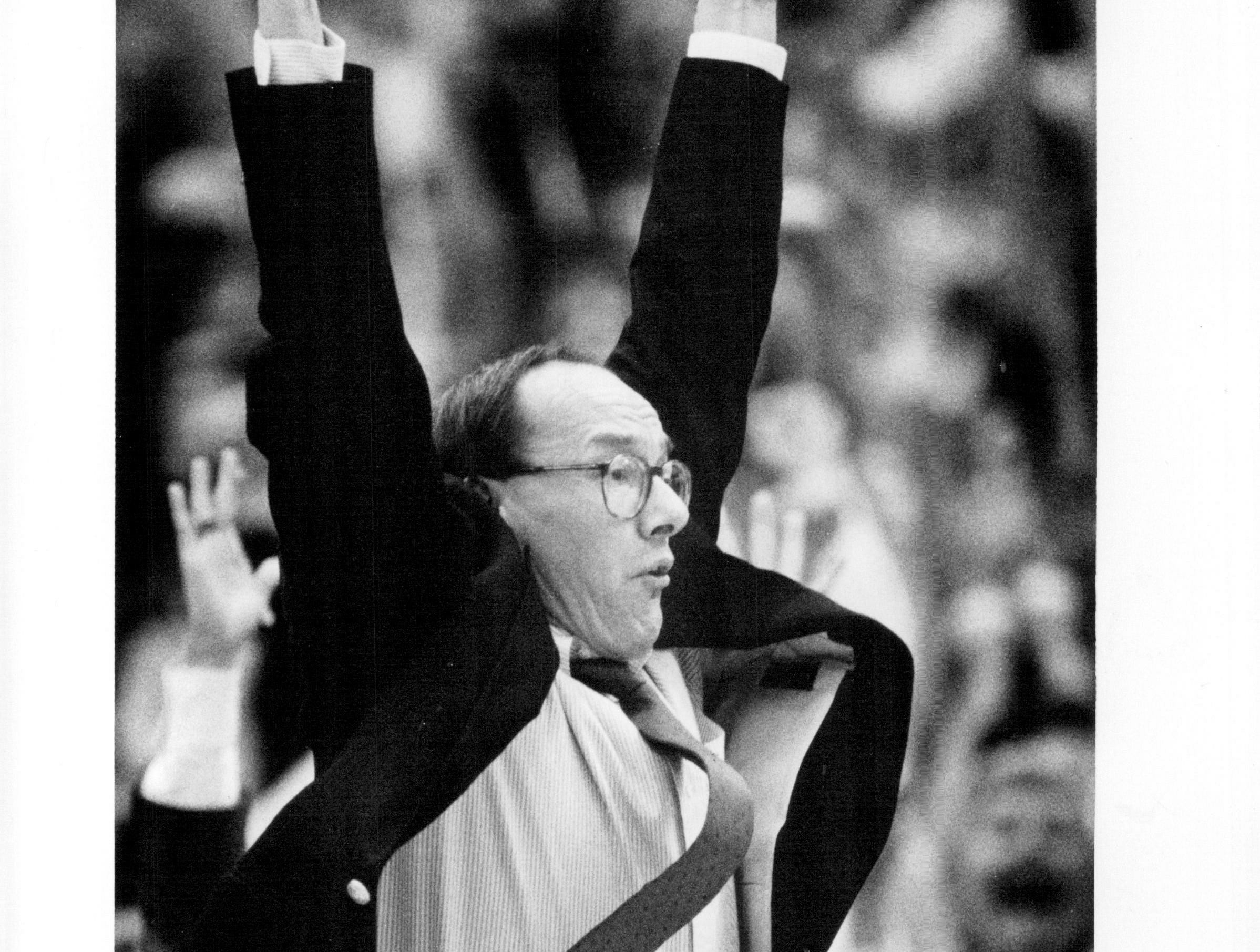 Jim Boeheim encourages his team during a rally in am 85-84 loss to Pittsburgh on March 5, 1988.