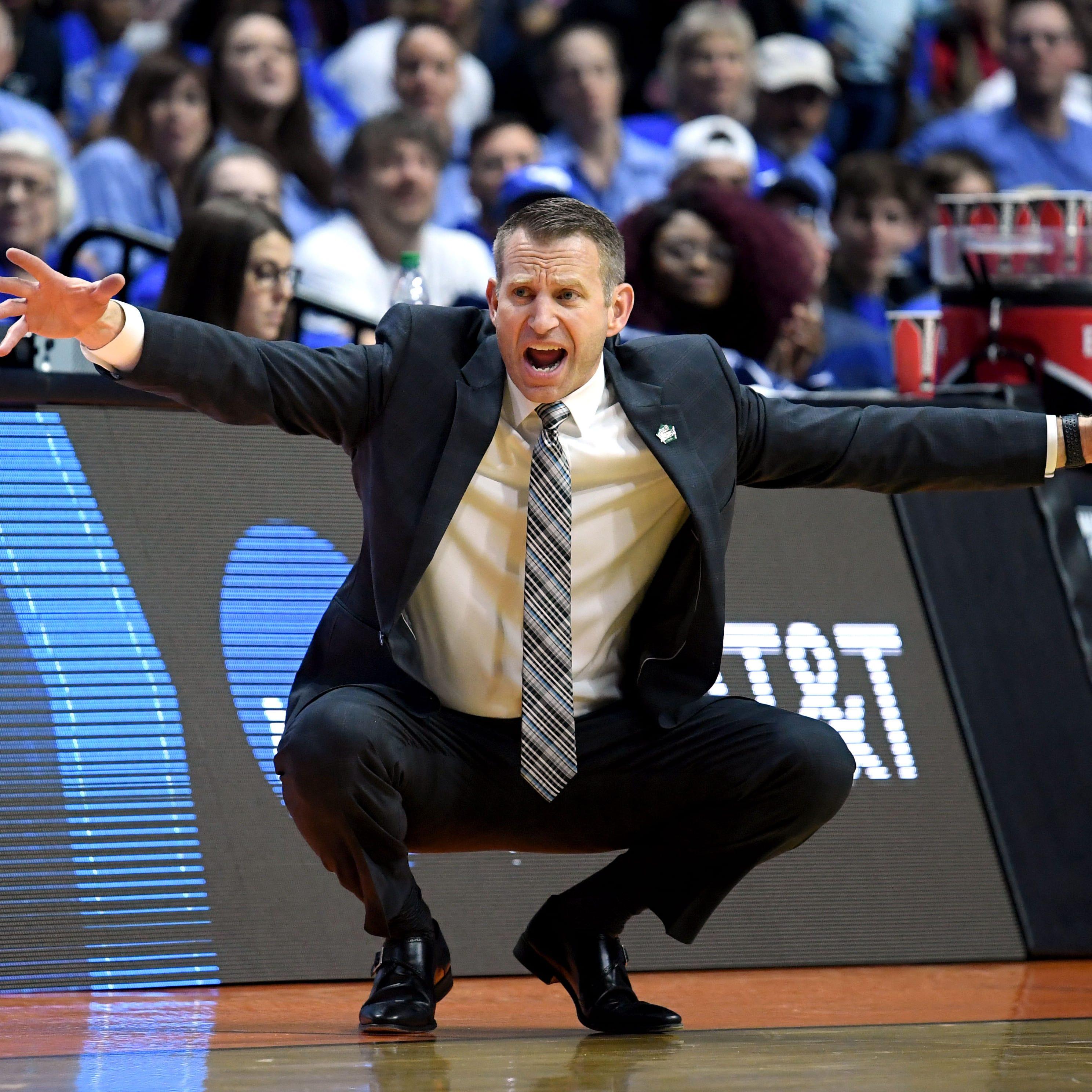 University at Buffalo coach Nate Oats takes Alabama head coaching job