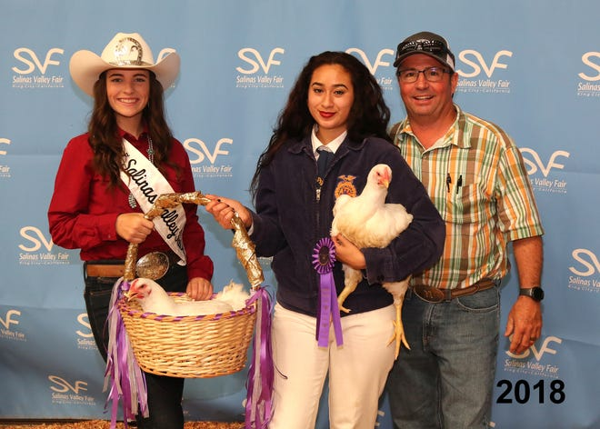 2018 poultry contestants stand in front of the step-and-repeat at the Salinas Valley Fair.