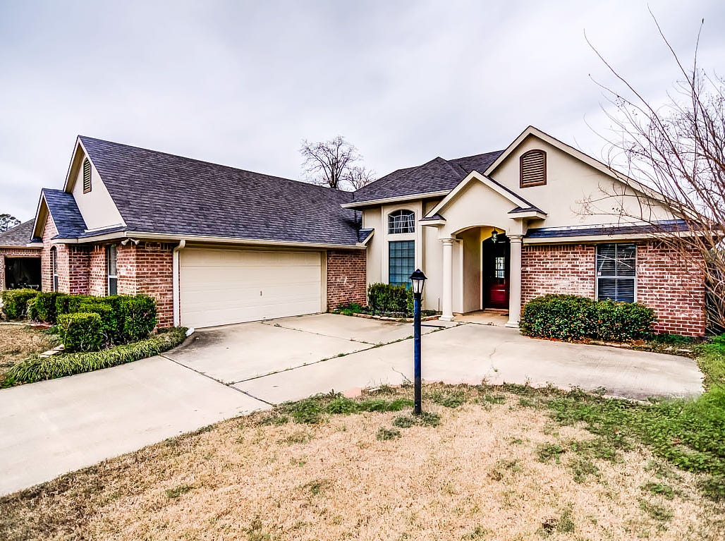 10429 Plum Creek, Shreveport  Price: $226,900  Details: 3 bedrooms, 2 bathrooms, 1,848 square feet  Features: Gated community away from the hustle and bustle of the city within a good school zone, open kitchen, split floor plan and nice backyard.   Contact: Mindy Wardlaw, 469-3261