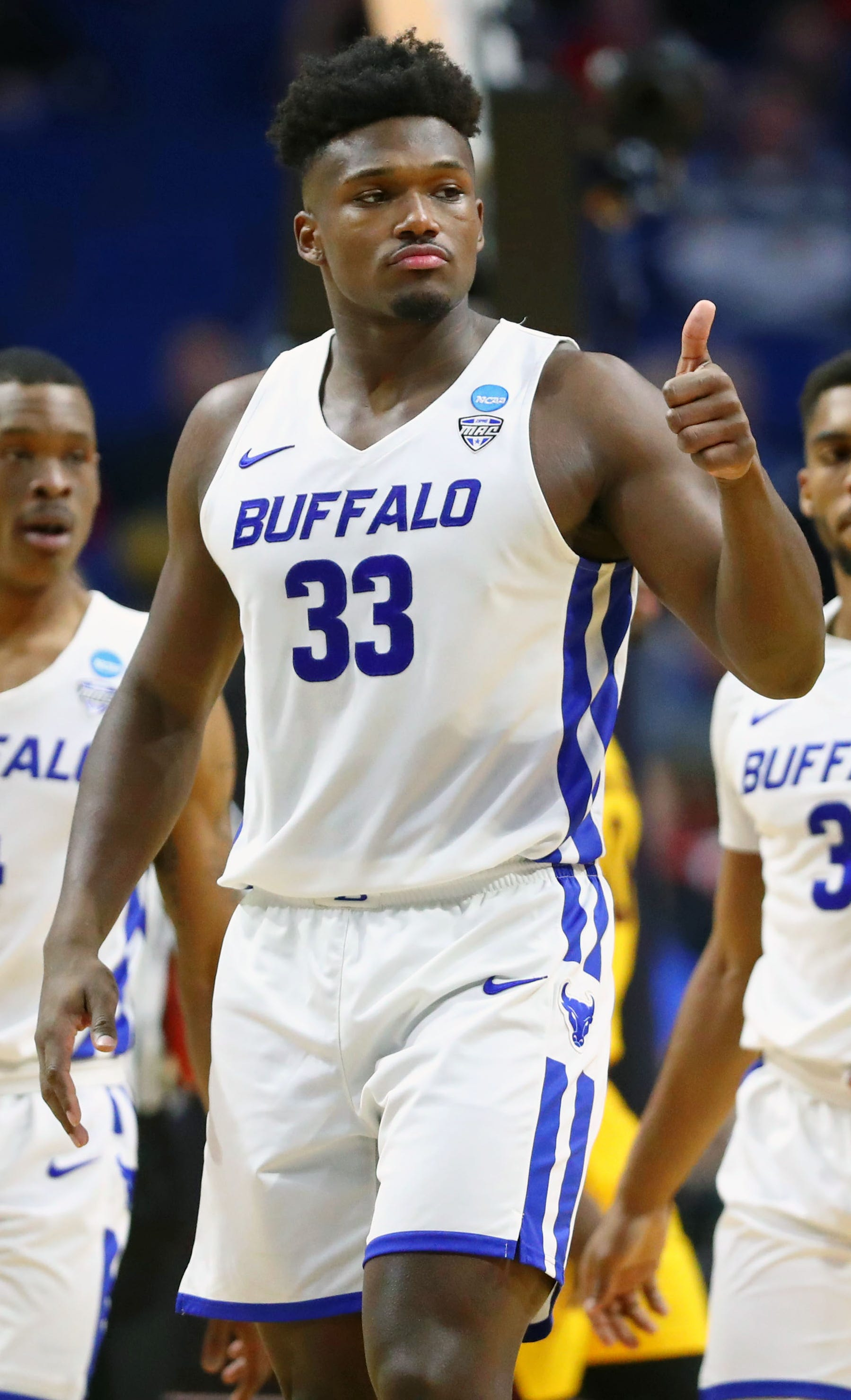 Buffalo's Nick Perkins gives a thumbs up after a play against Arizona State.