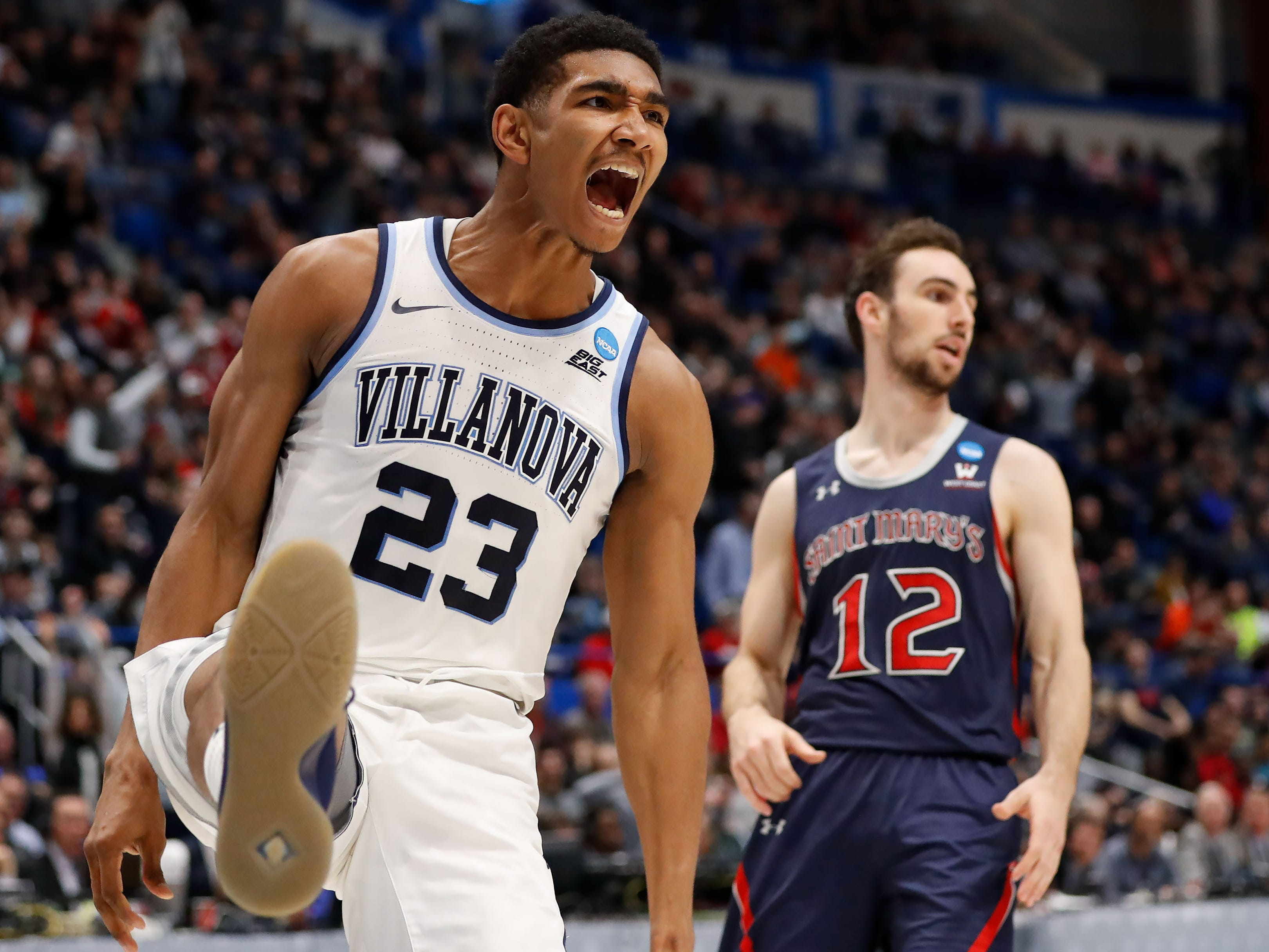 First round: Villanova forward Jermaine Samuels celebrates after scoring against St. Mary's.
