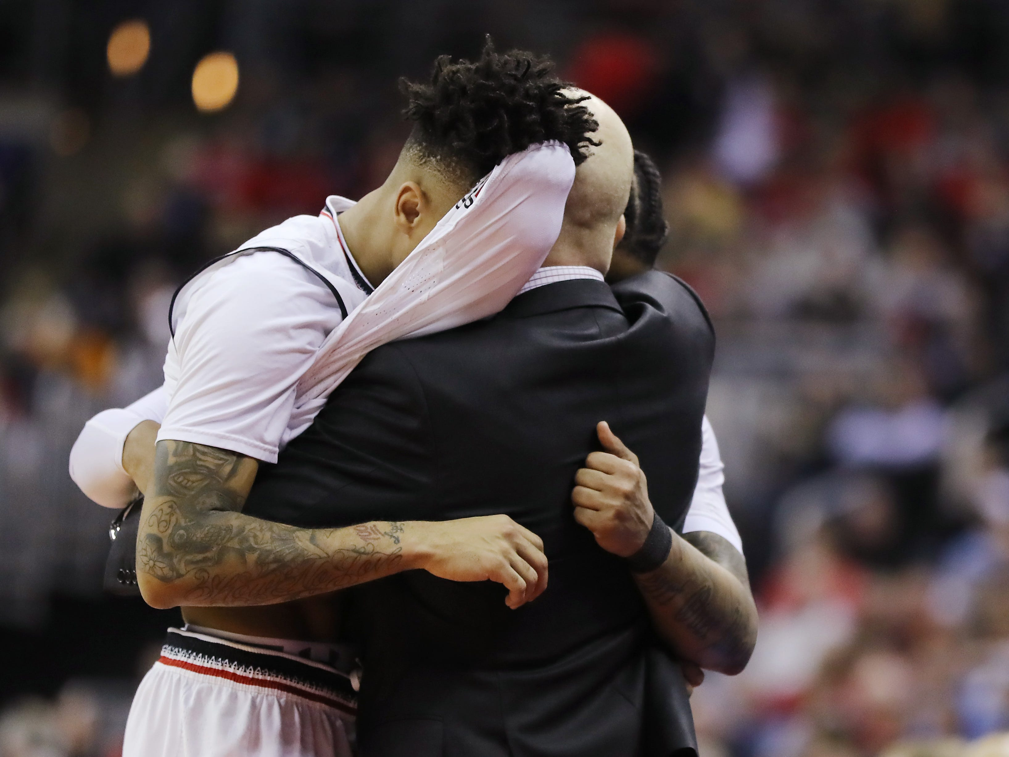 First round: No. 7 Cincinnati loses to No. 10 Iowa, 79-72.