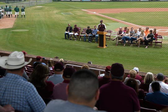 Former Sinton baseball player and MLB pitcher Mike Adams speaks during the Gene Kasprzyk Field unveiling ceremony, Saturday, March 23, 2019. Various former players came to support their former coach.