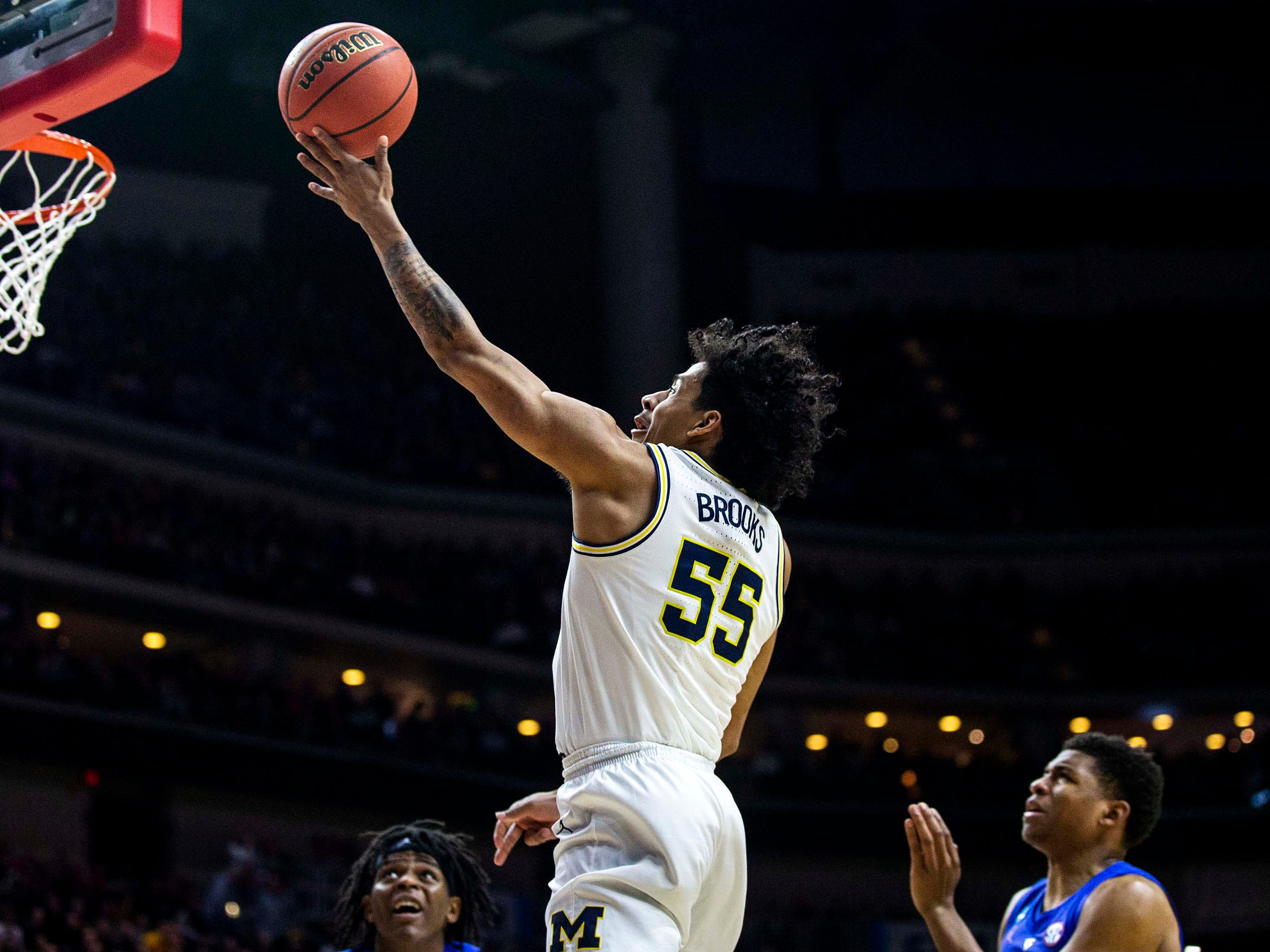 Michigan's Eli Brooks shoots the ball during the NCAA Tournament second-round match-up between Michigan and Florida on Saturday, March 23, 2019, in Wells Fargo Arena in Des Moines, Iowa.