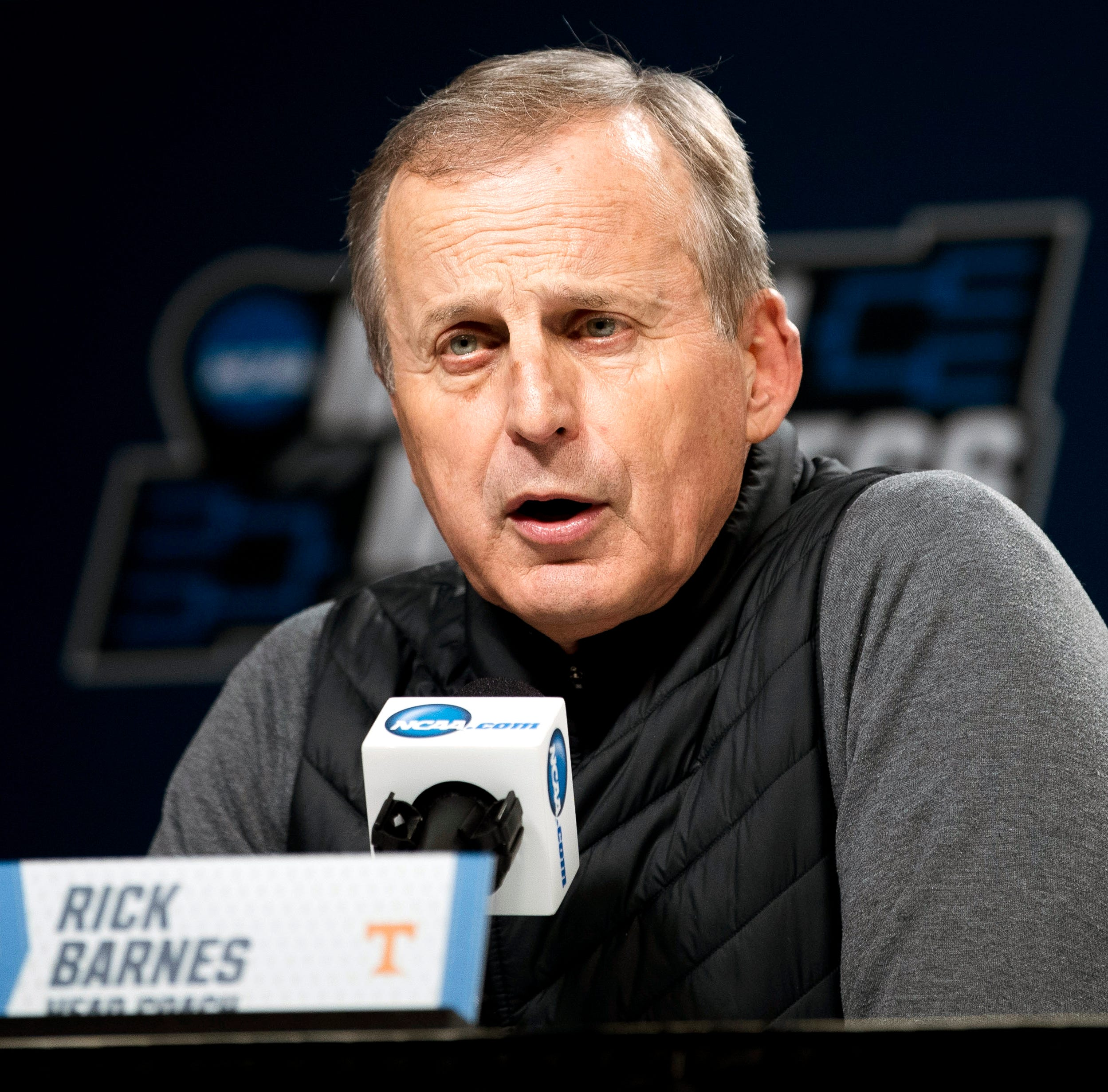 Tennessee's Rick Barnes wasn't comfortable even up 25 against Iowa