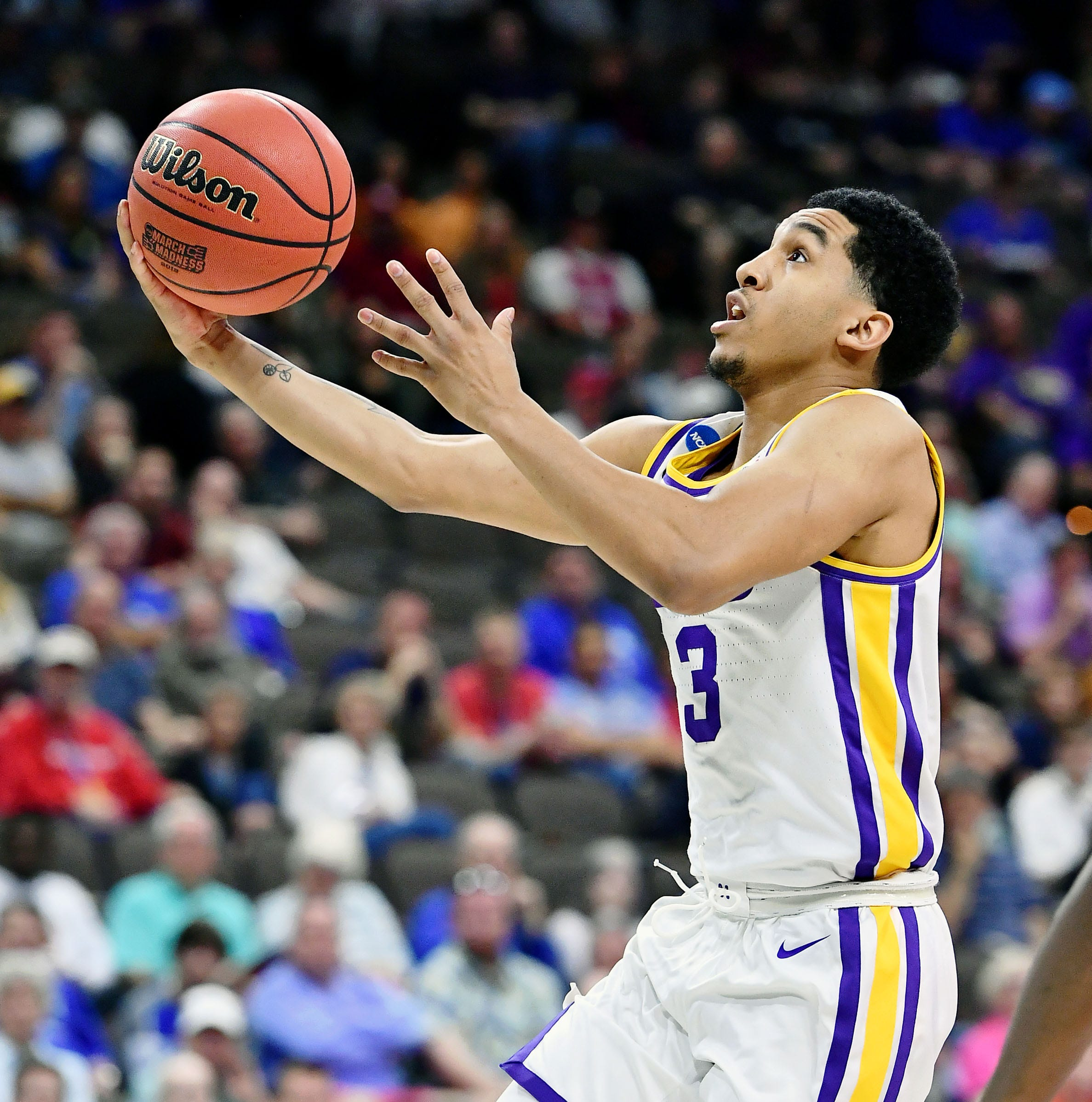 Watch LSU's Tremont Waters send the Tigers to the Sweet 16 with the tournament's first game-winner