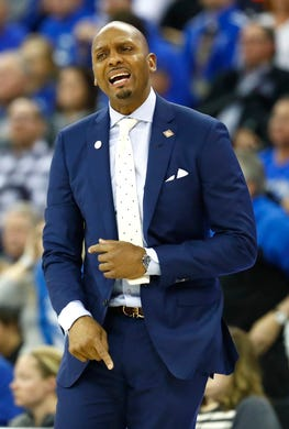 Memphis Tigers head coach Penny Hardaway reacts during the second half of their second round NIT game against Creighton Friday, March 22, 2019, in Omaha, Neb.