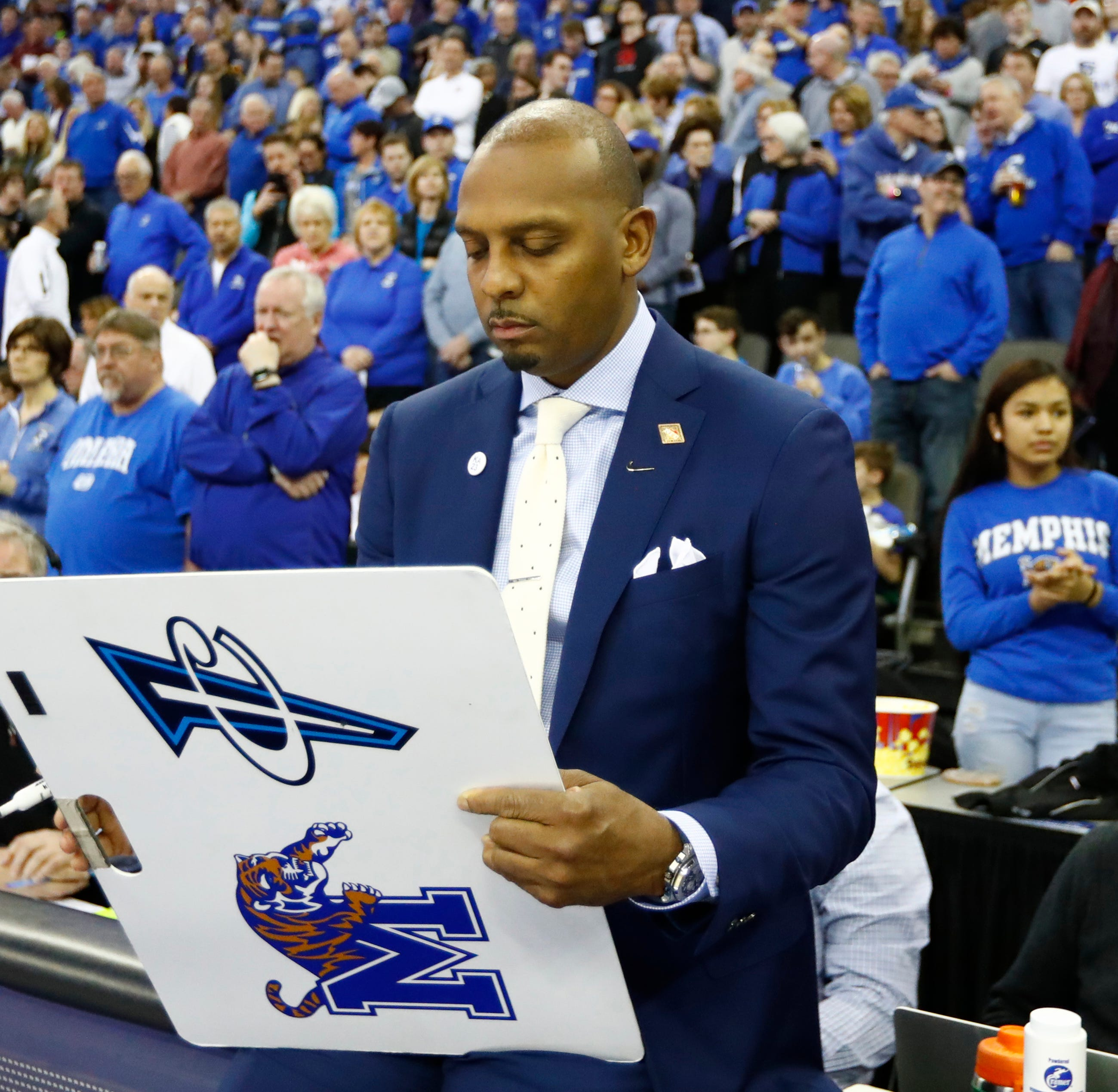 Memphis basketball coach Penny Hardaway talks Sam Mitchell, the Bahamas and schedules