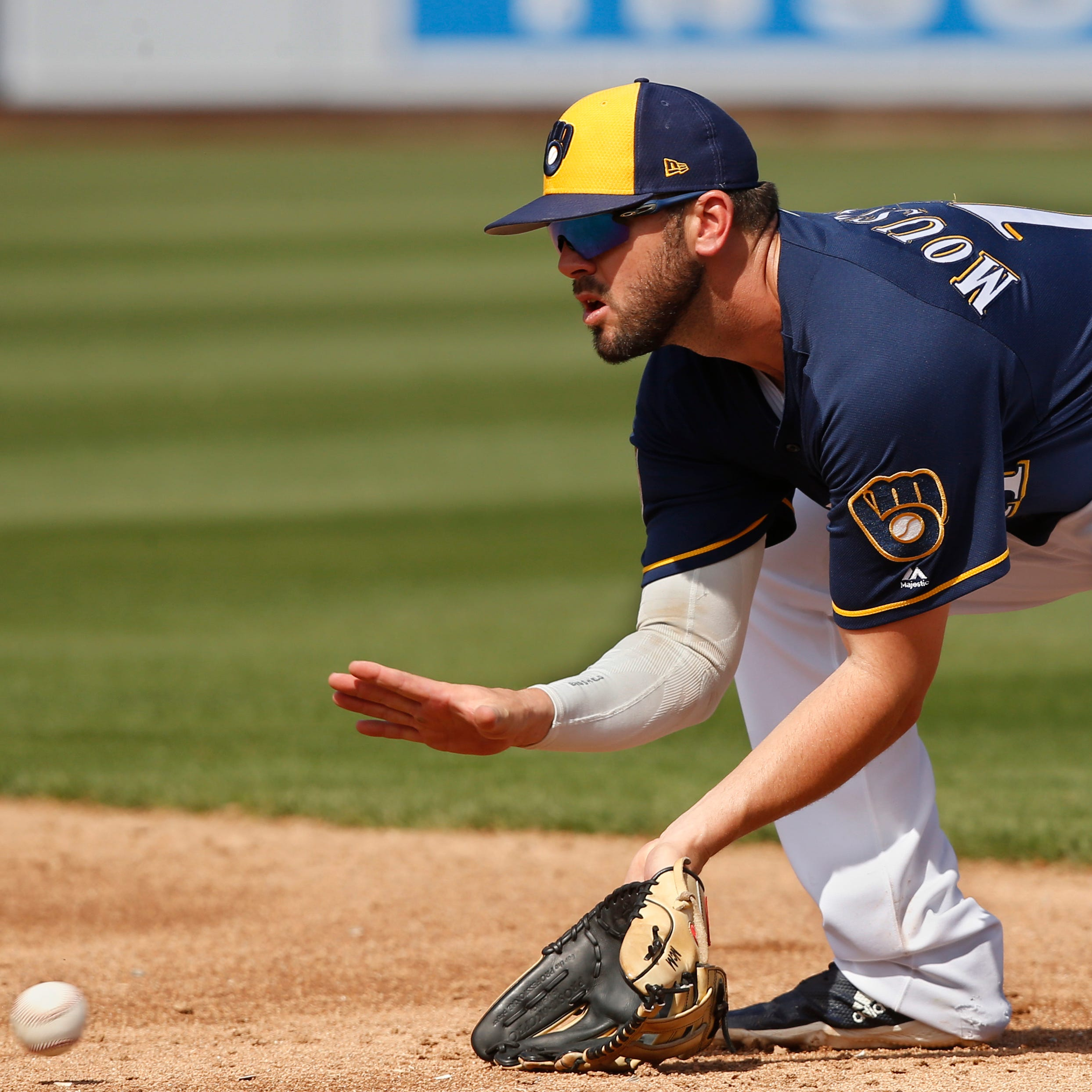 As camp comes to a close for Brewers, Mike Moustakas is feeling comfortable at second base