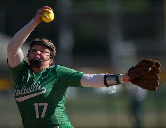 Holtville's Kaylyn Dismukes (17) pitches the ball against Gardendale during the Alex Wilcox Memorial Softball Tournament at Lagoon Park in Montgomery, Ala., on Saturday, March 23, 2019.