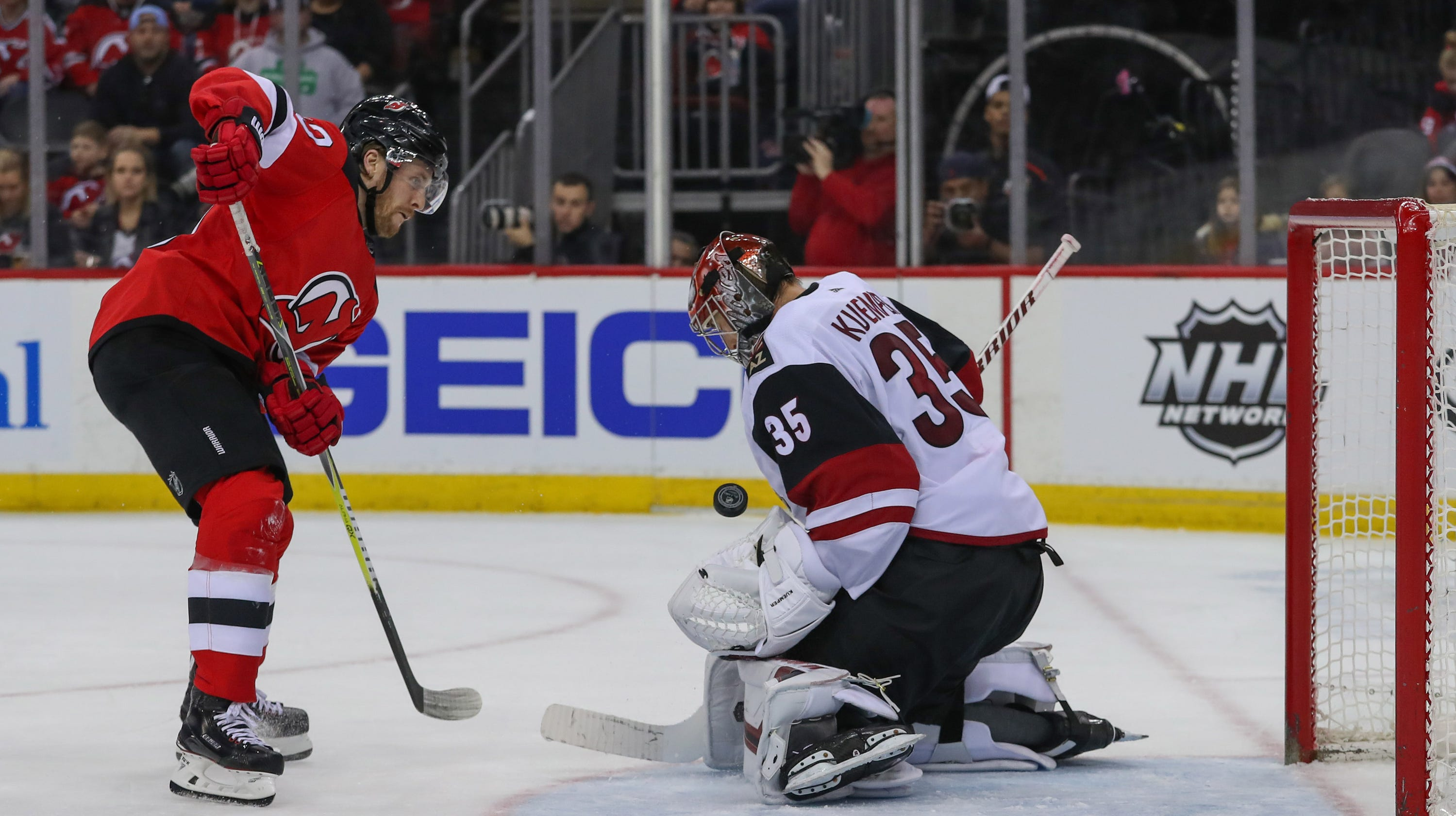 1ca685653 Coyotes lose to Devils in shootout