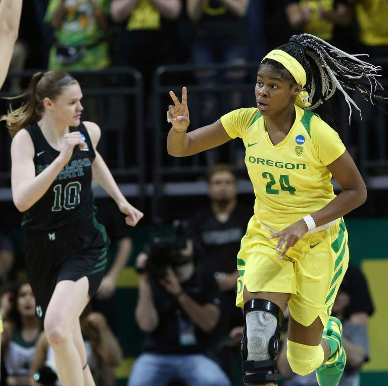Oregon Ducks: Ruthy Hebard's knee is just fine as the women's team dominates NCAA opener