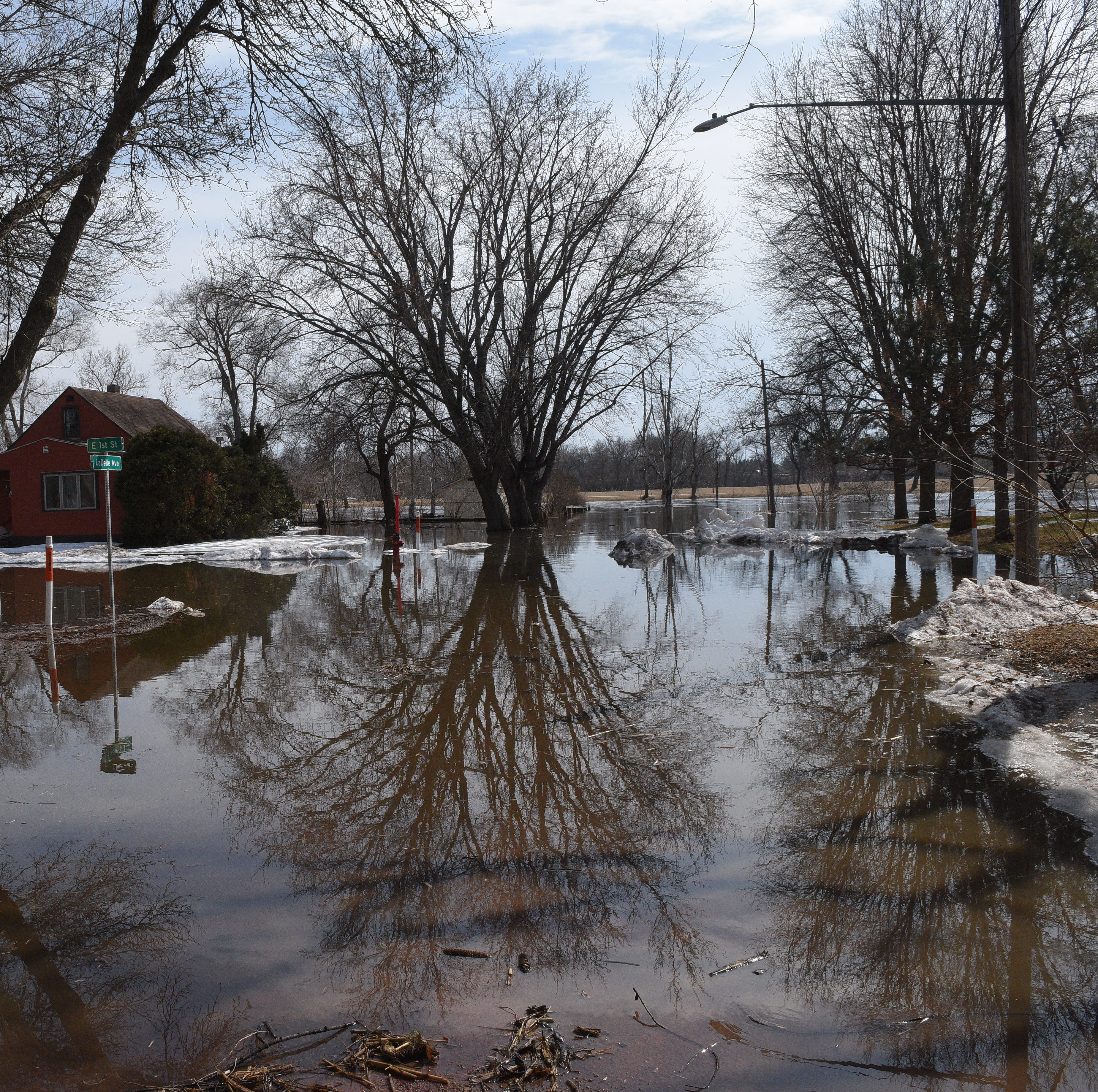 'It's in God's hands now': Dell Rapids prepares for record flooding