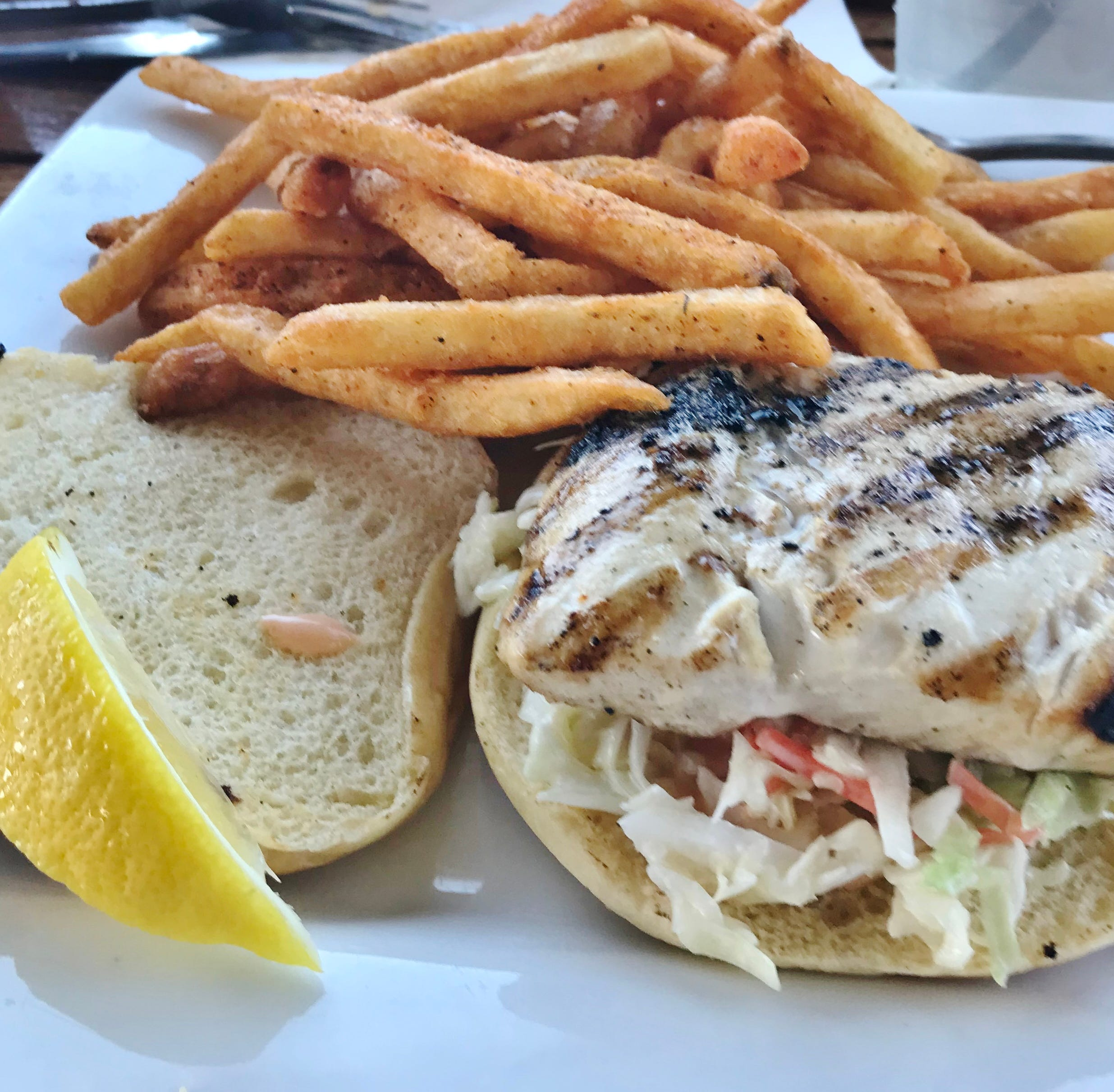 Review: On the Edge Bar and Grill in Fort Pierce boasts amazing views