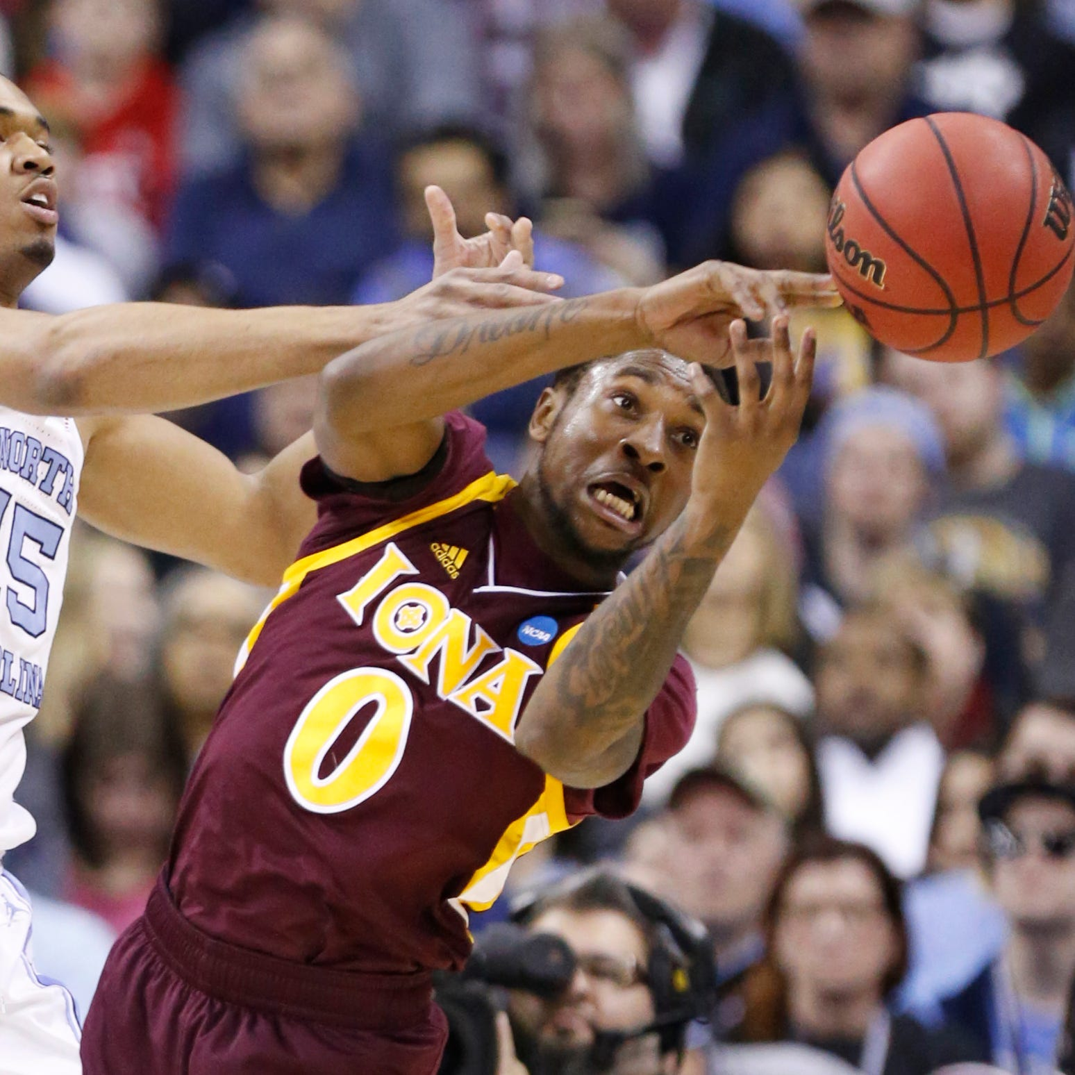 NCAA Tournament: Iona runs out of gas, falls to top seed North Carolina in first round