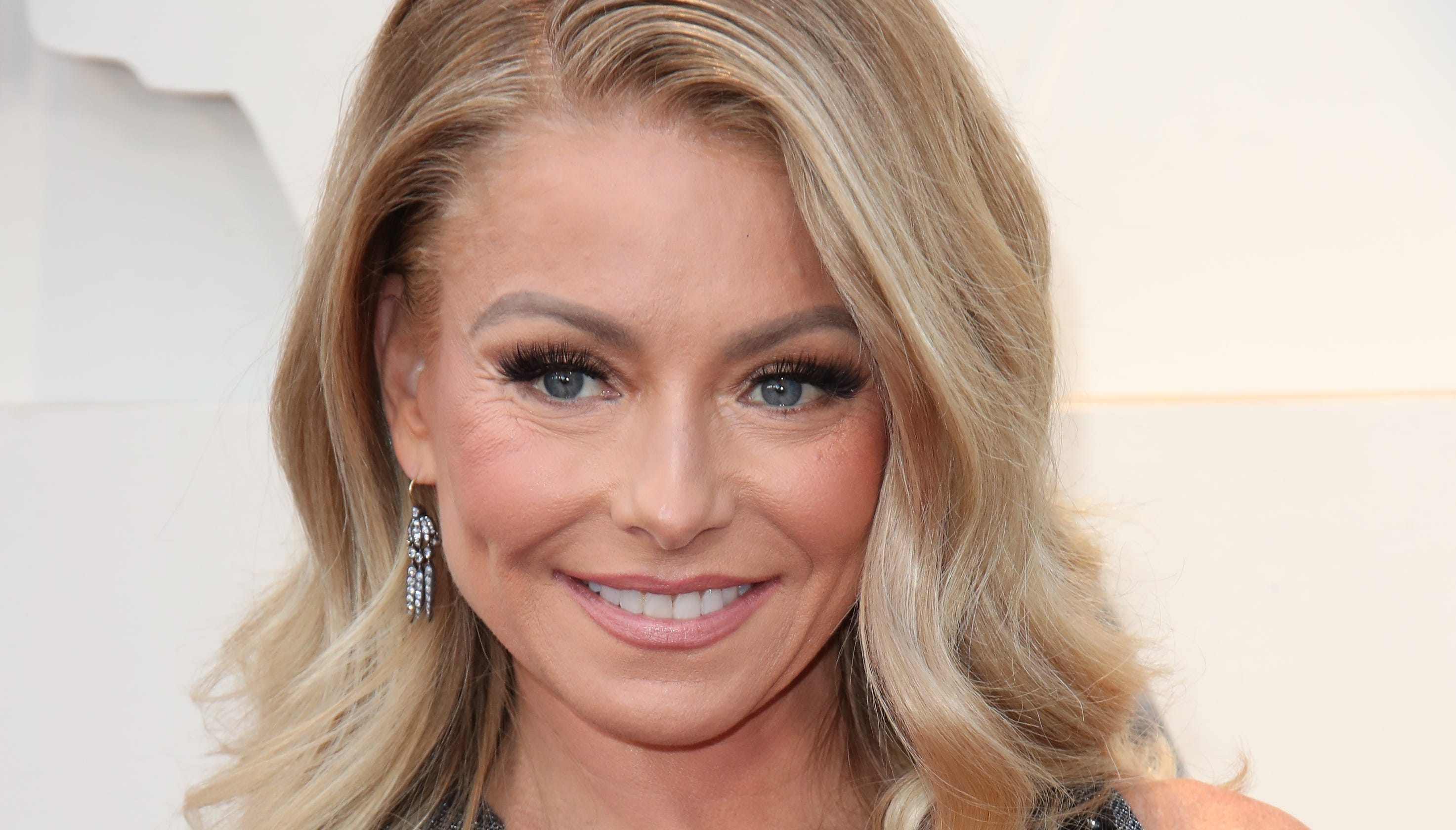 Kelly Ripa embarrasses daughter again on Instagram with thirst trap video of Mark Consuelos