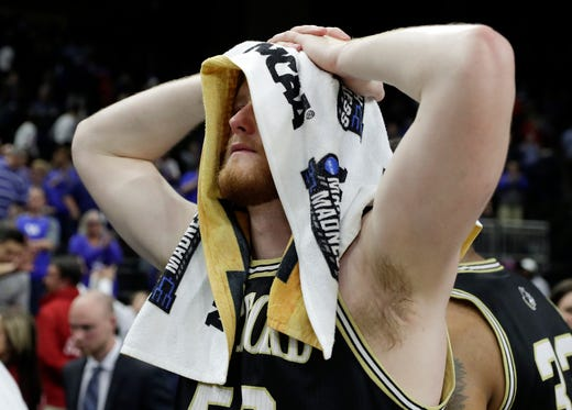 Round of 32: No. 7 Wofford loses to No. 2 Kentucky, 62-56.