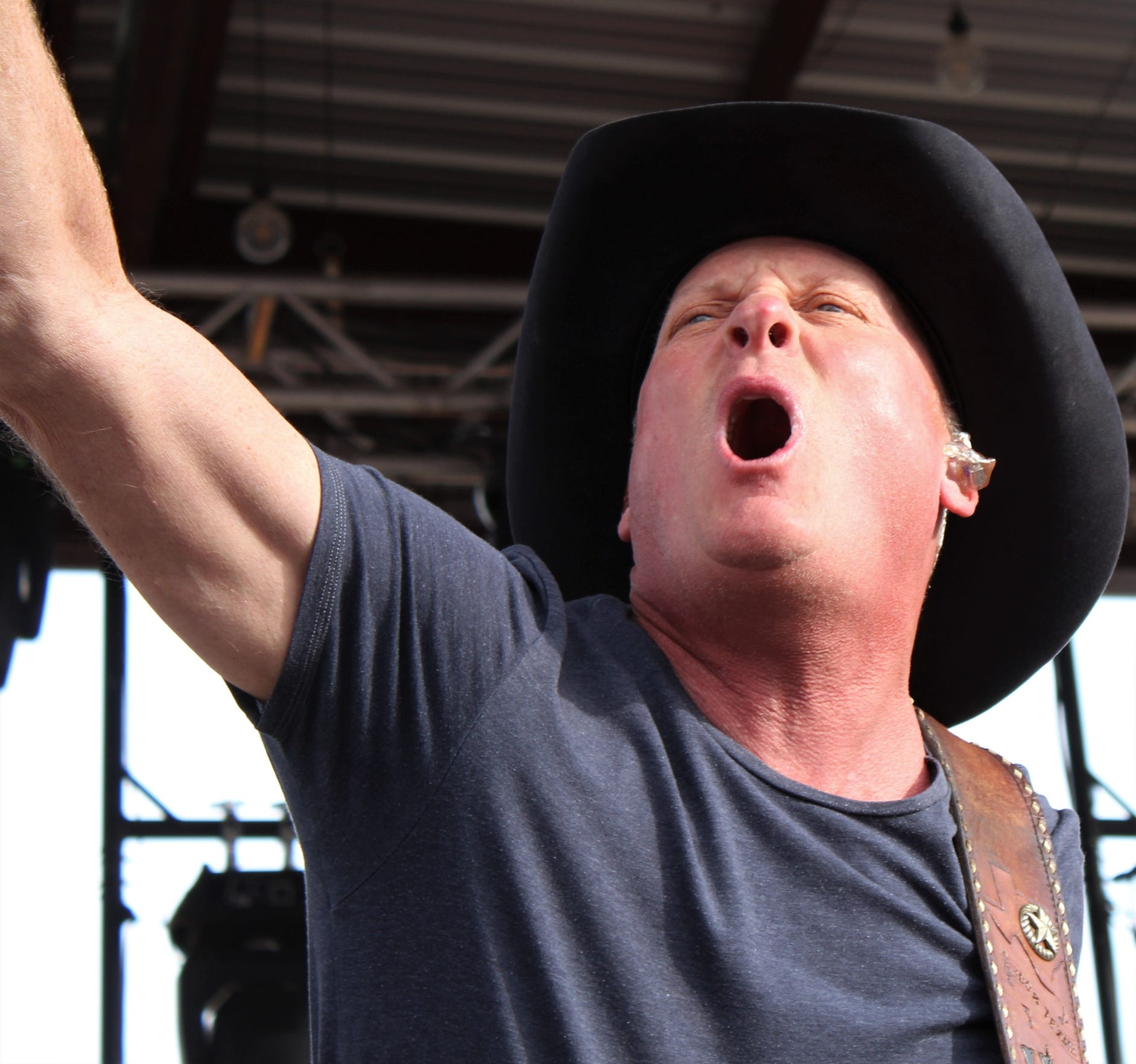 Kevin Fowler stirs up the crowd during his 2019 Outlaws show.