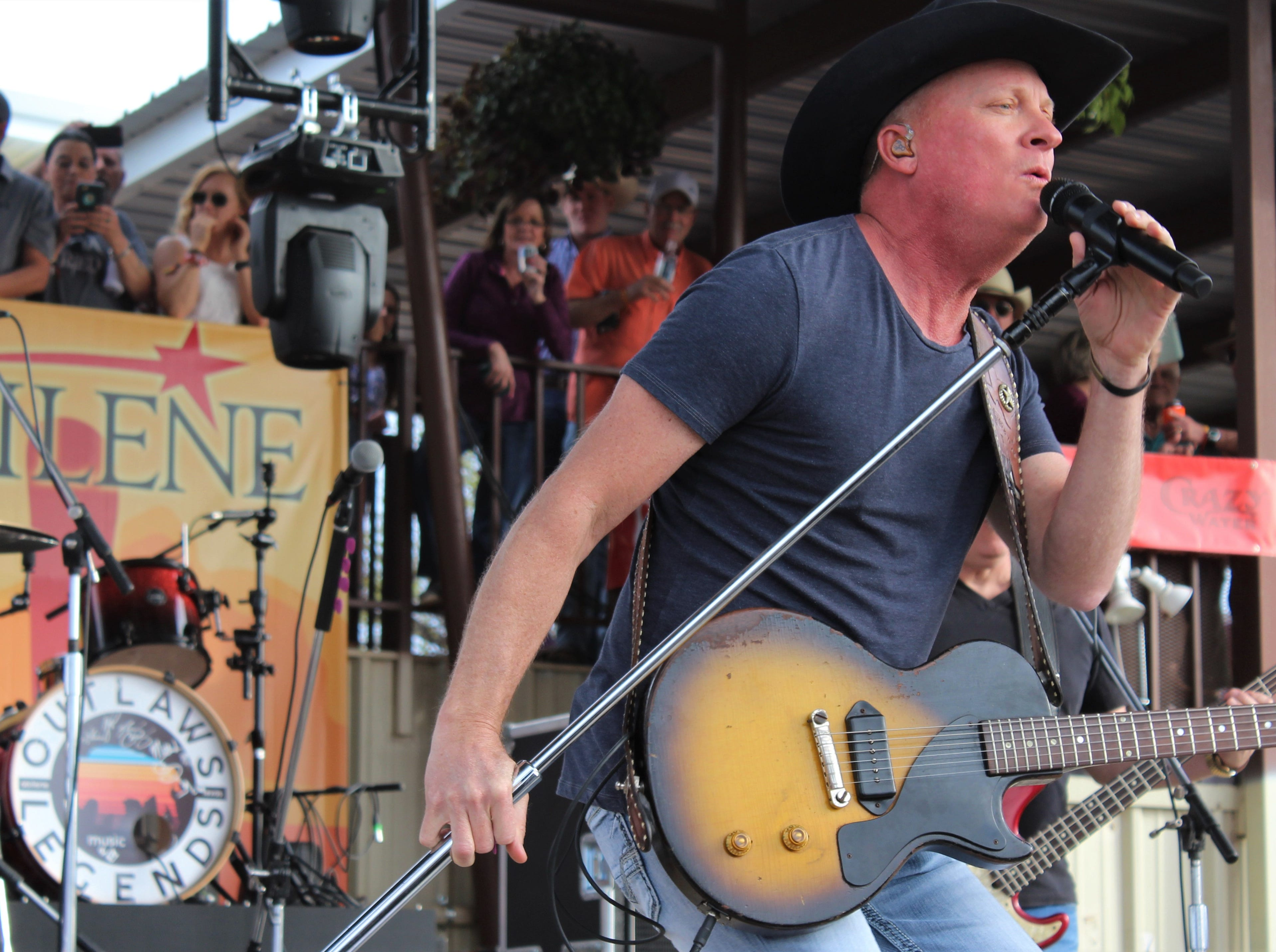 It did not take long for Kevin Fowler to fire up fans Saturday afternoon March 23, 2019, at the 9th Outlaws & Legends Music Festival. In fact, it started when he came on stage.