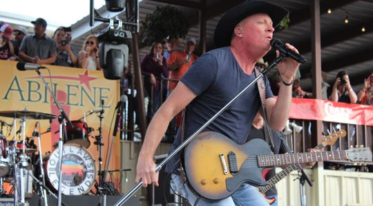 Kevin Fowler, who was to appear at the 10th annual Outlaws & Legends Music Festival, will co-headline a one-day concert event at the Back Porch of Texas with Mark Powell.